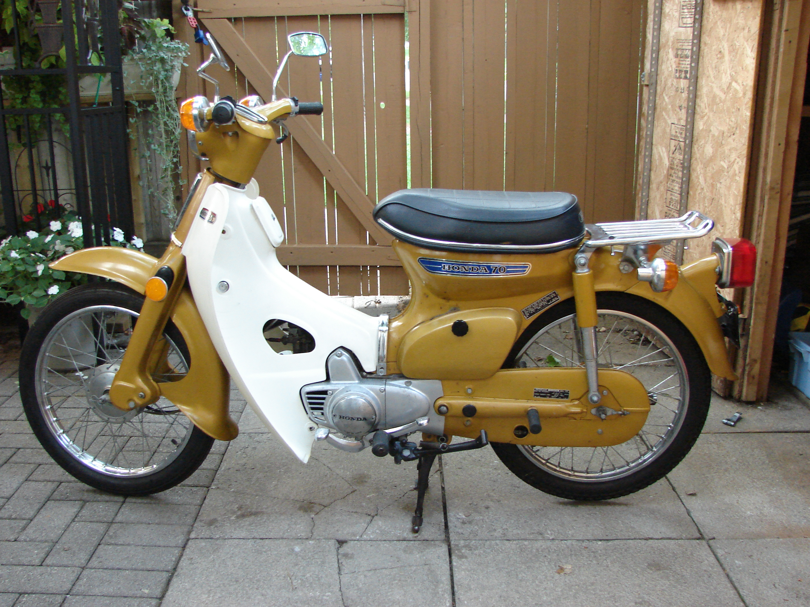 Fyl Cfehu Puyzr Rect additionally D Brown White Wires Cb Honda Cb Cl moreover Dscn Op X additionally Honda Ct likewise Part  plete Wiring Diagrams Of Honda Ct. on honda ct90 wiring diagram