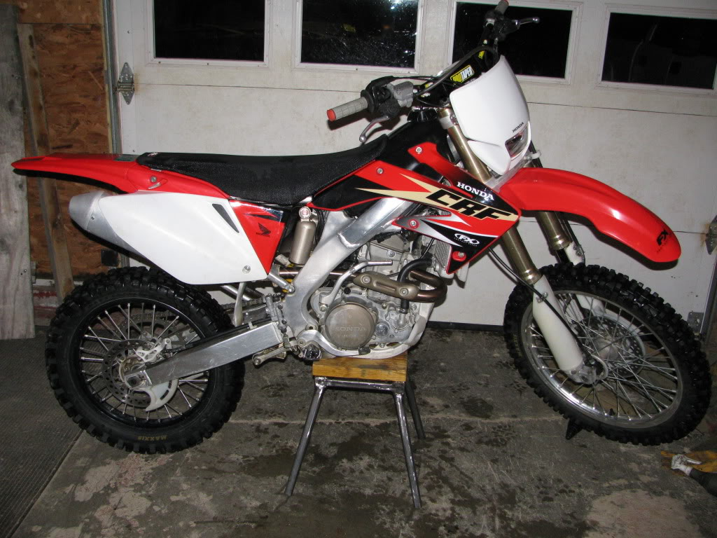 2005 honda crf 250 x pics specs and information. Black Bedroom Furniture Sets. Home Design Ideas