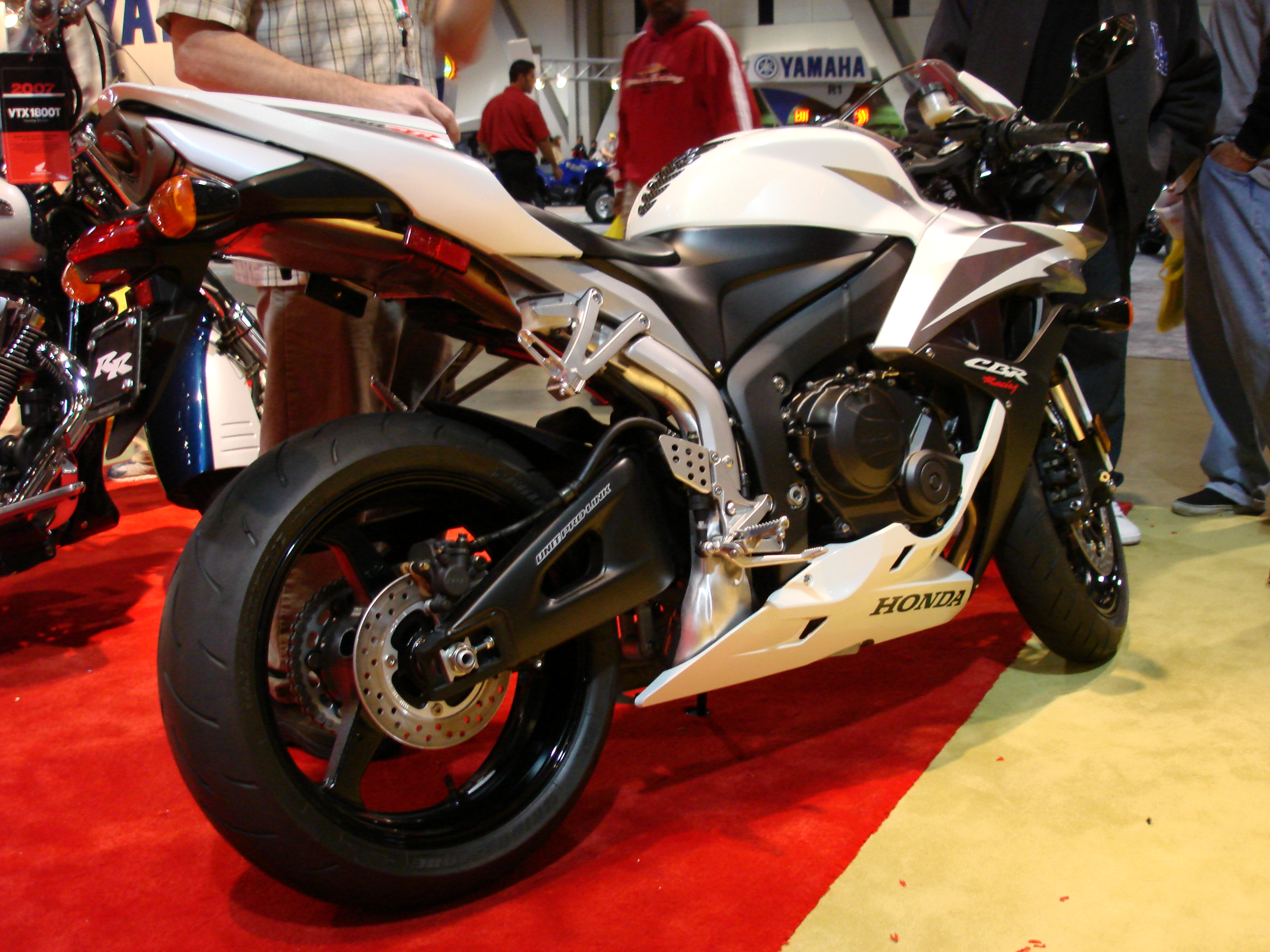 Honda Cbr600rr Prototype Pics Specs And List Of Seriess By Year Motorcycles Prototypes 24714