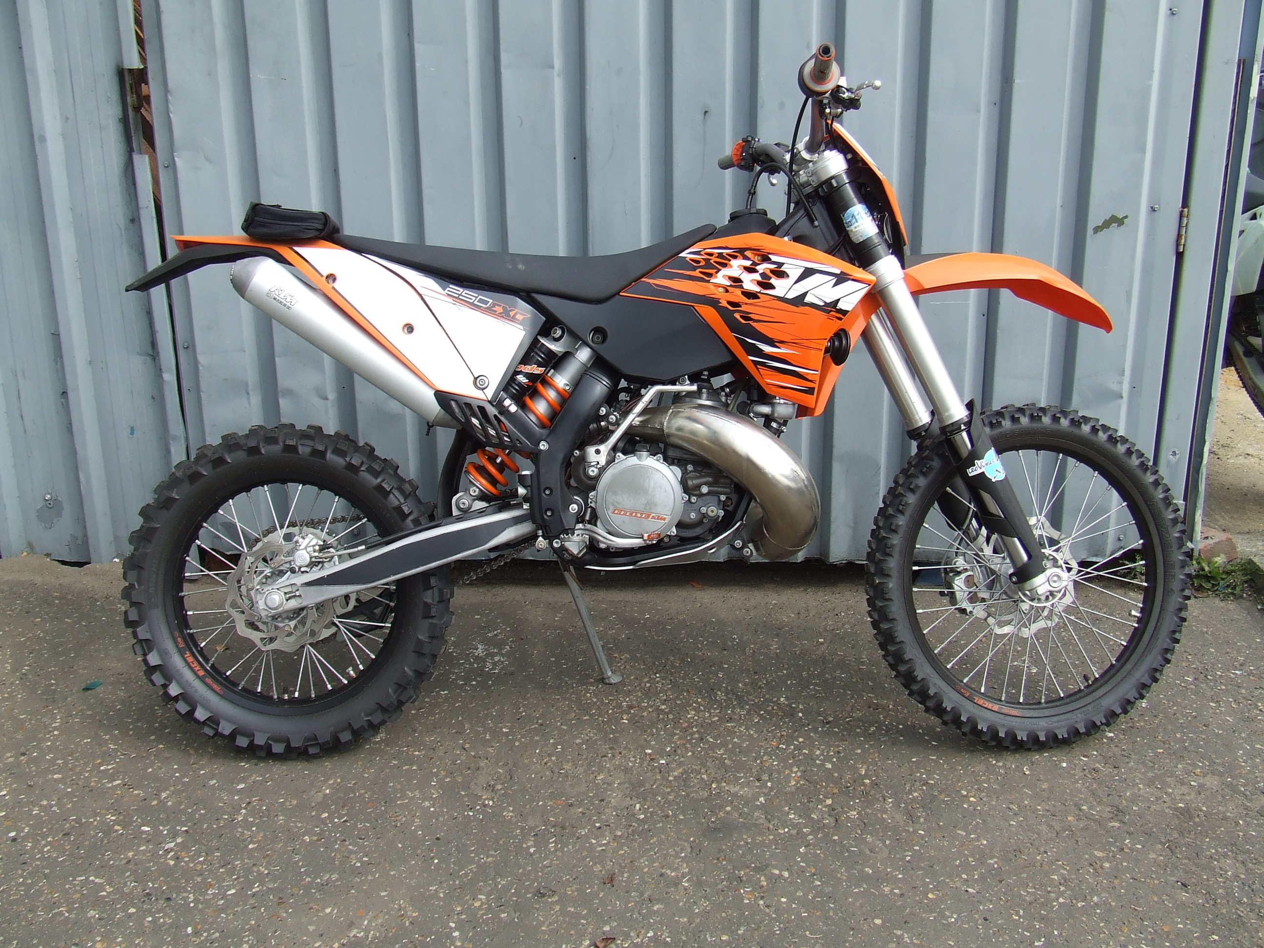 1985 ktm 125 enduro sport pics specs and information. Black Bedroom Furniture Sets. Home Design Ideas