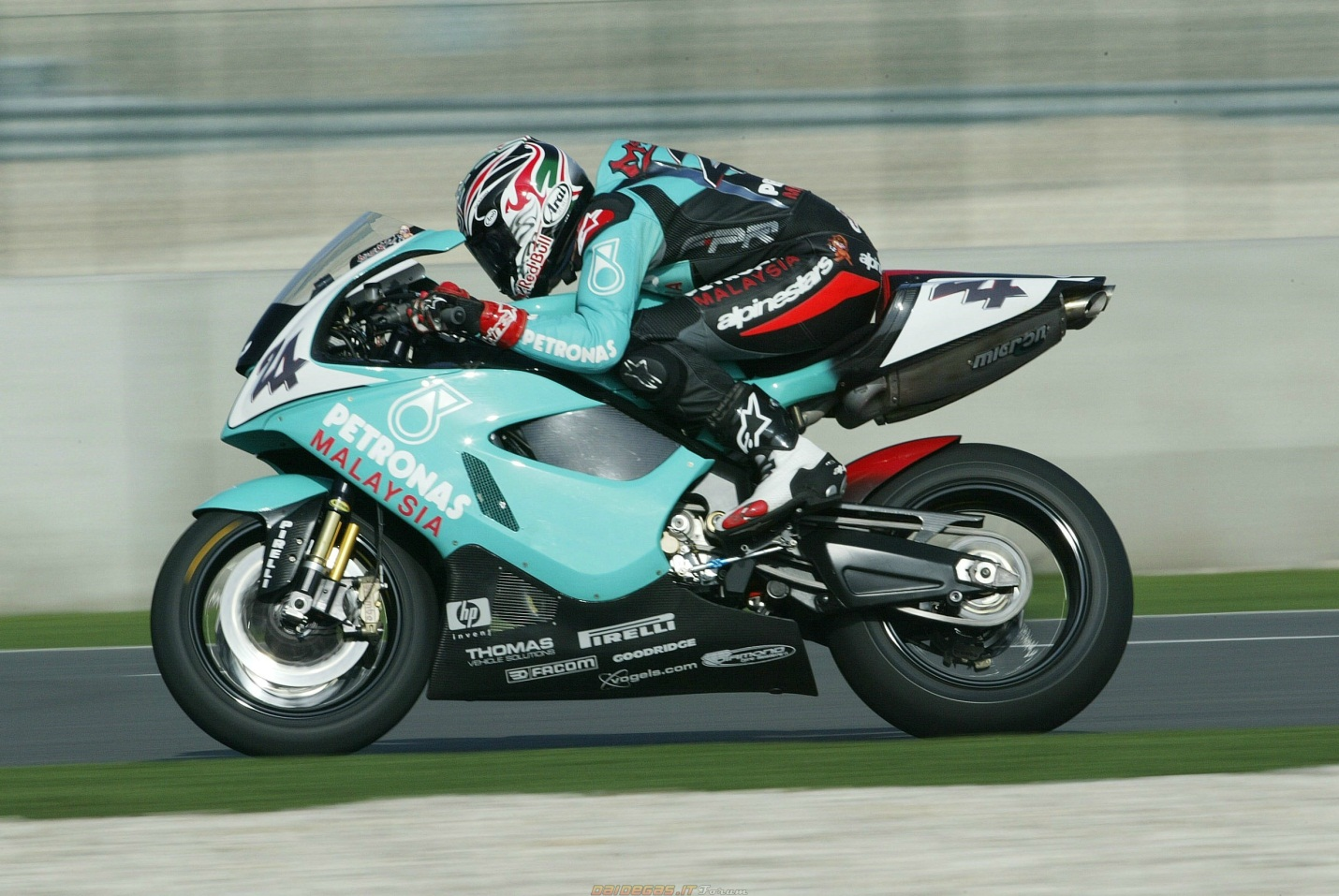 Petronas FP1 2004 images #119085