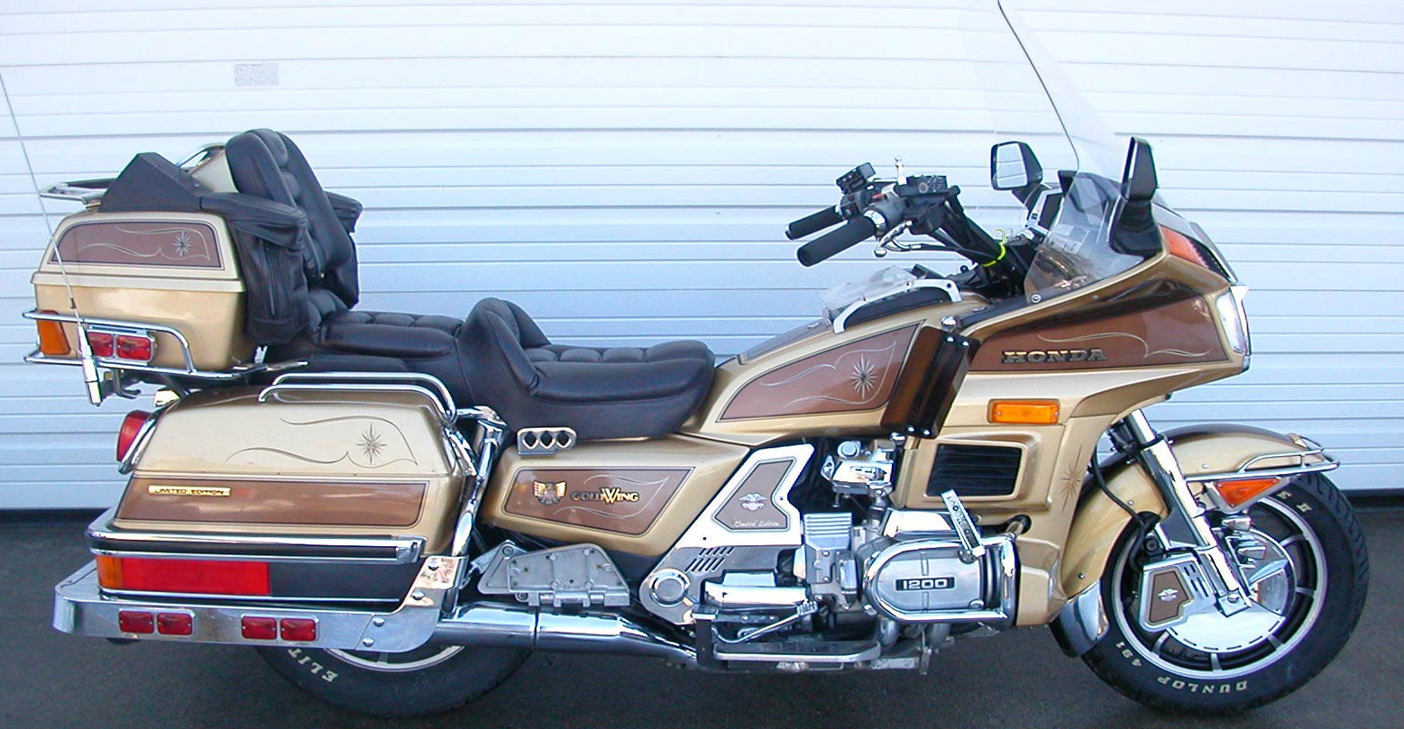 2013 honda gl 1800 gold wing pics specs and information. Black Bedroom Furniture Sets. Home Design Ideas