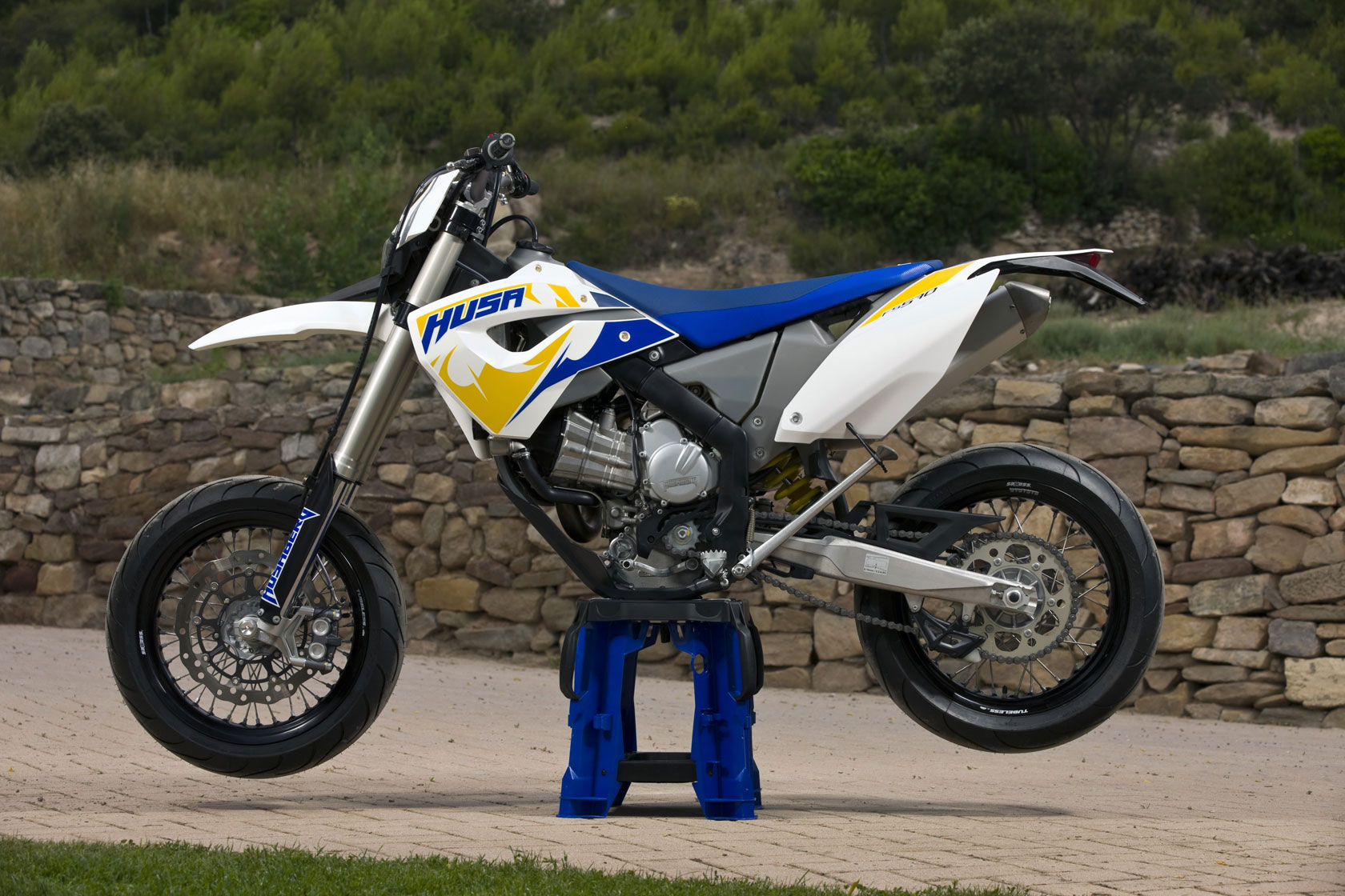 Husaberg FS 570 Supermoto 2010 wallpapers #160684