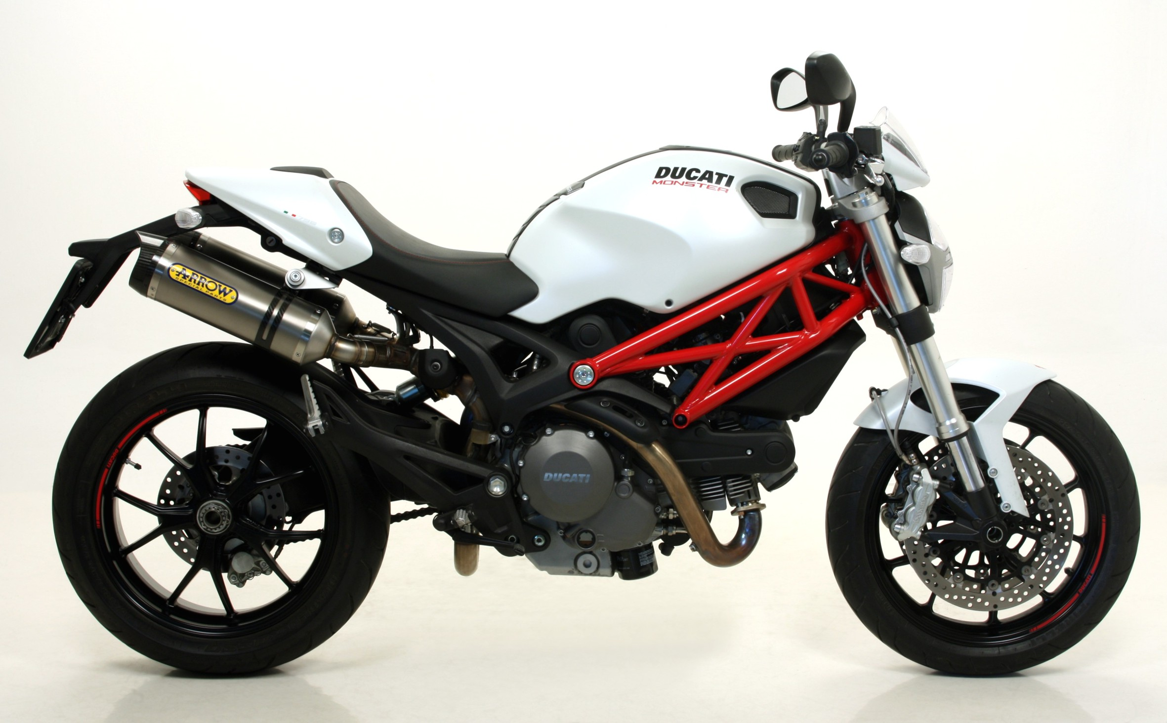 Ducati Monster 796 2010 wallpapers #13489