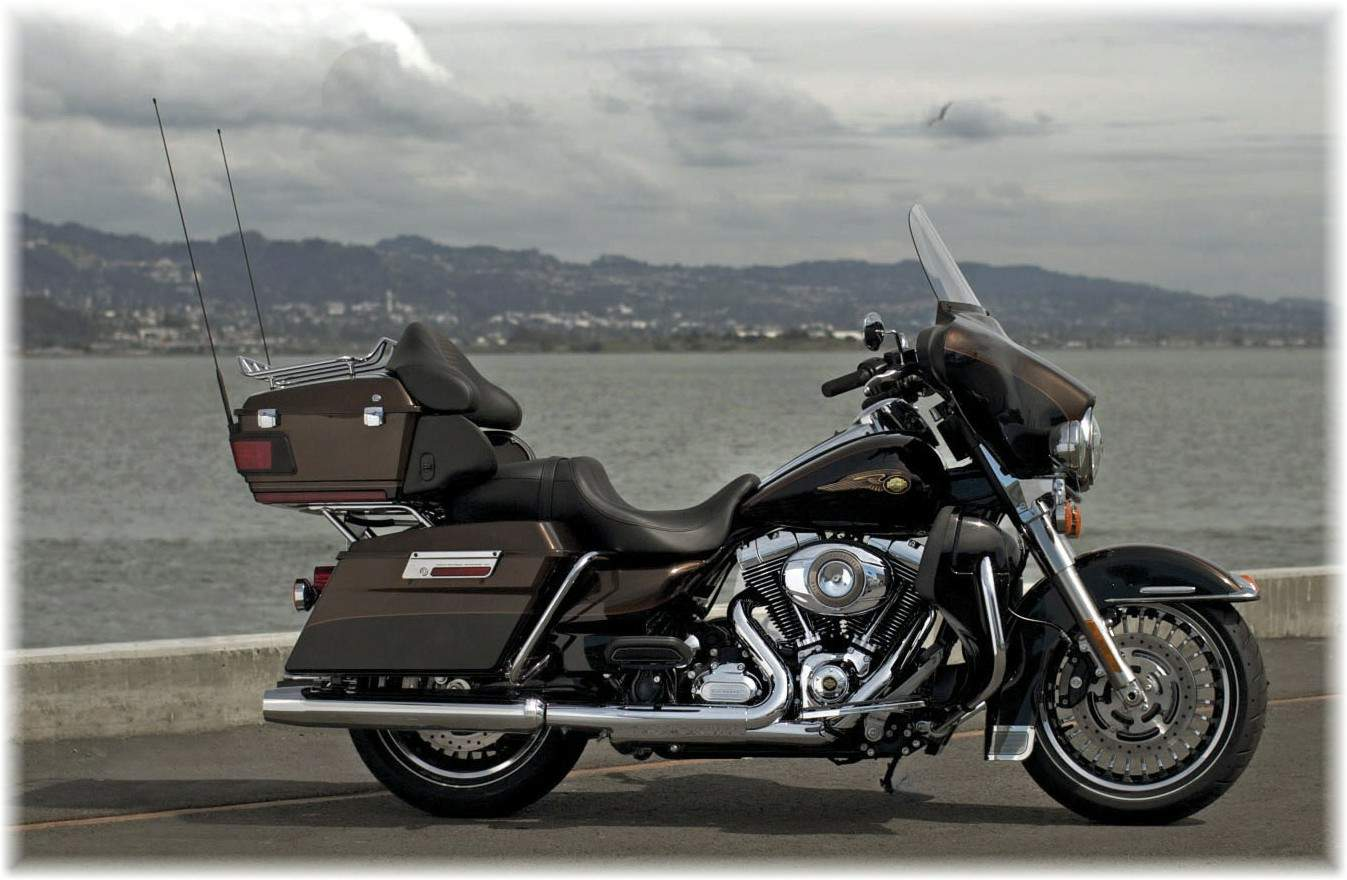 Harley-Davidson FLHTCUSE8 CVO Ultra Classic Electra Glide 110th Anniversary 2013 wallpapers #142036