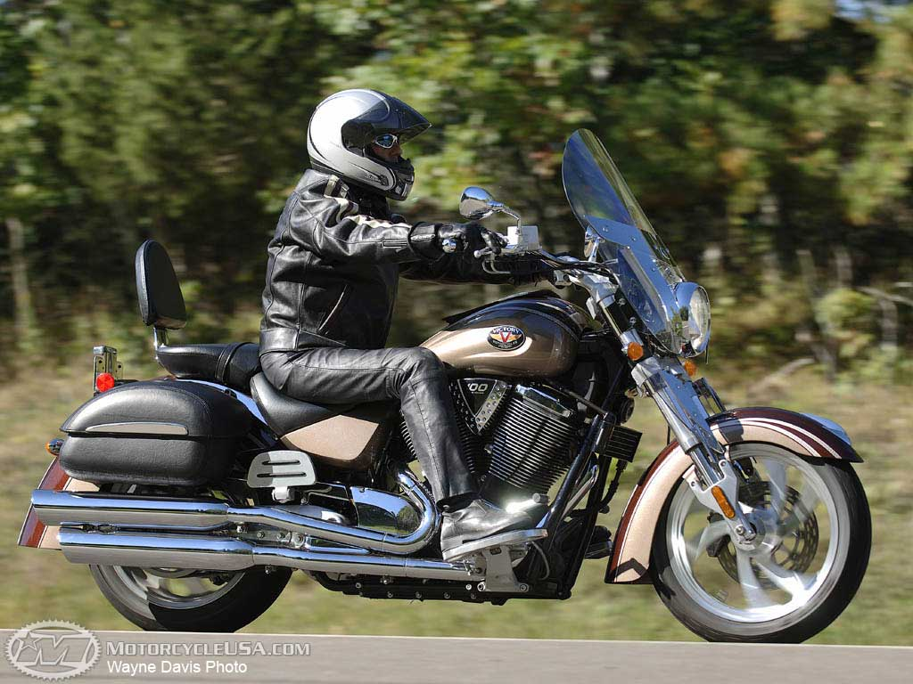 Victory Cruiser Deluxe 1500 2001 wallpapers #130340