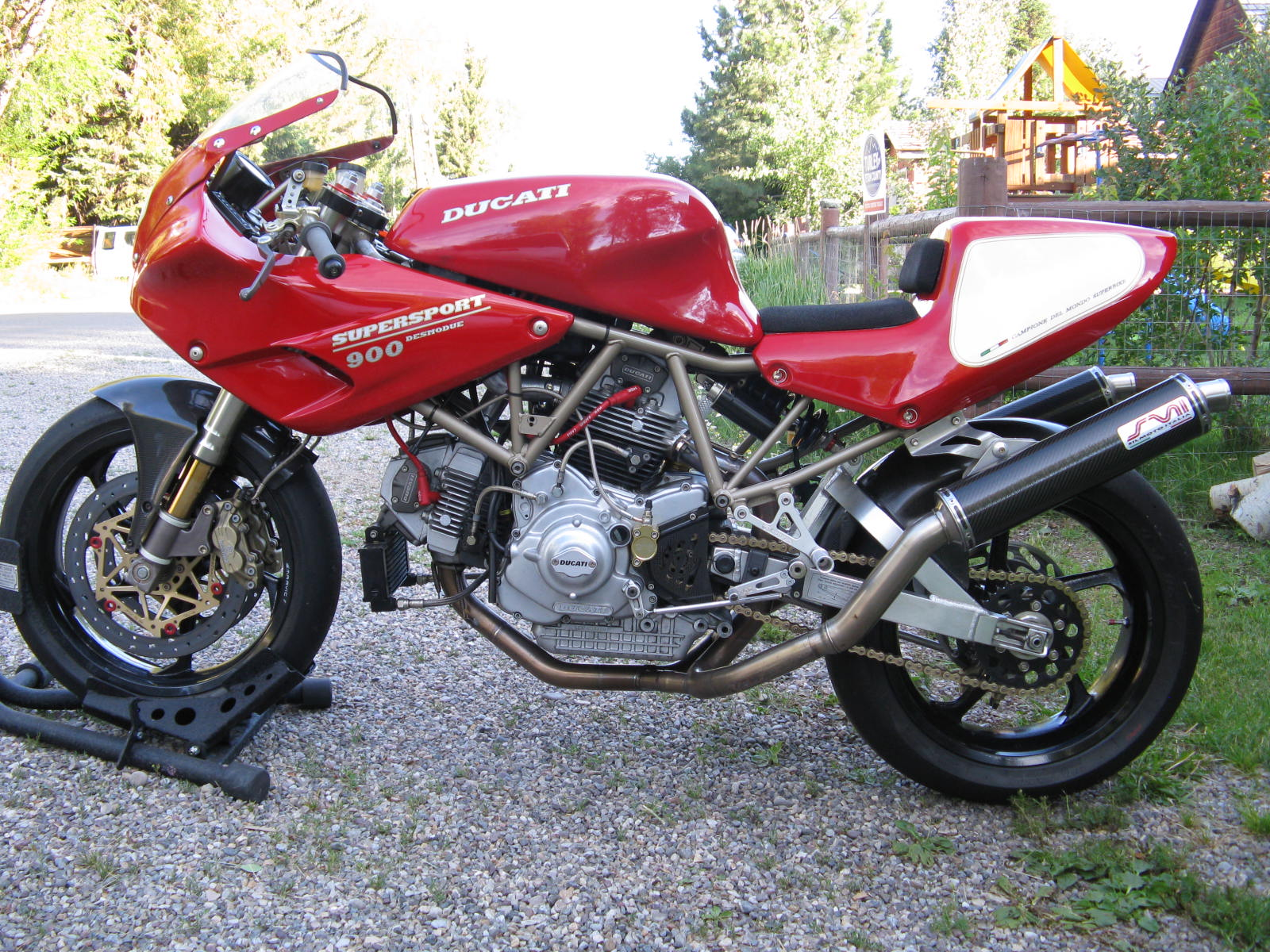 Ducati 900 SS Carenata 2001 wallpapers #11103
