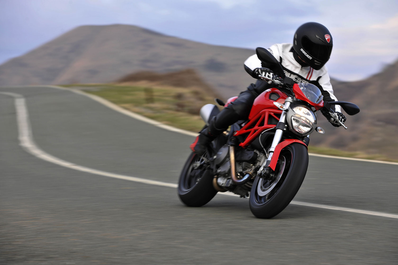 Ducati Monster 796 2010 wallpapers #13491