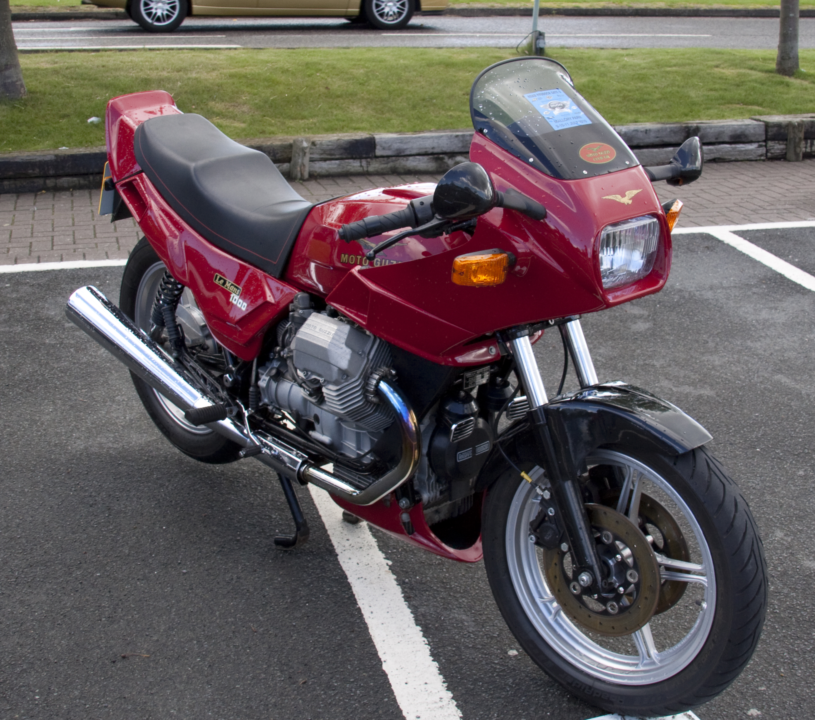 1989 moto guzzi le mans 1000 pics specs and information. Black Bedroom Furniture Sets. Home Design Ideas