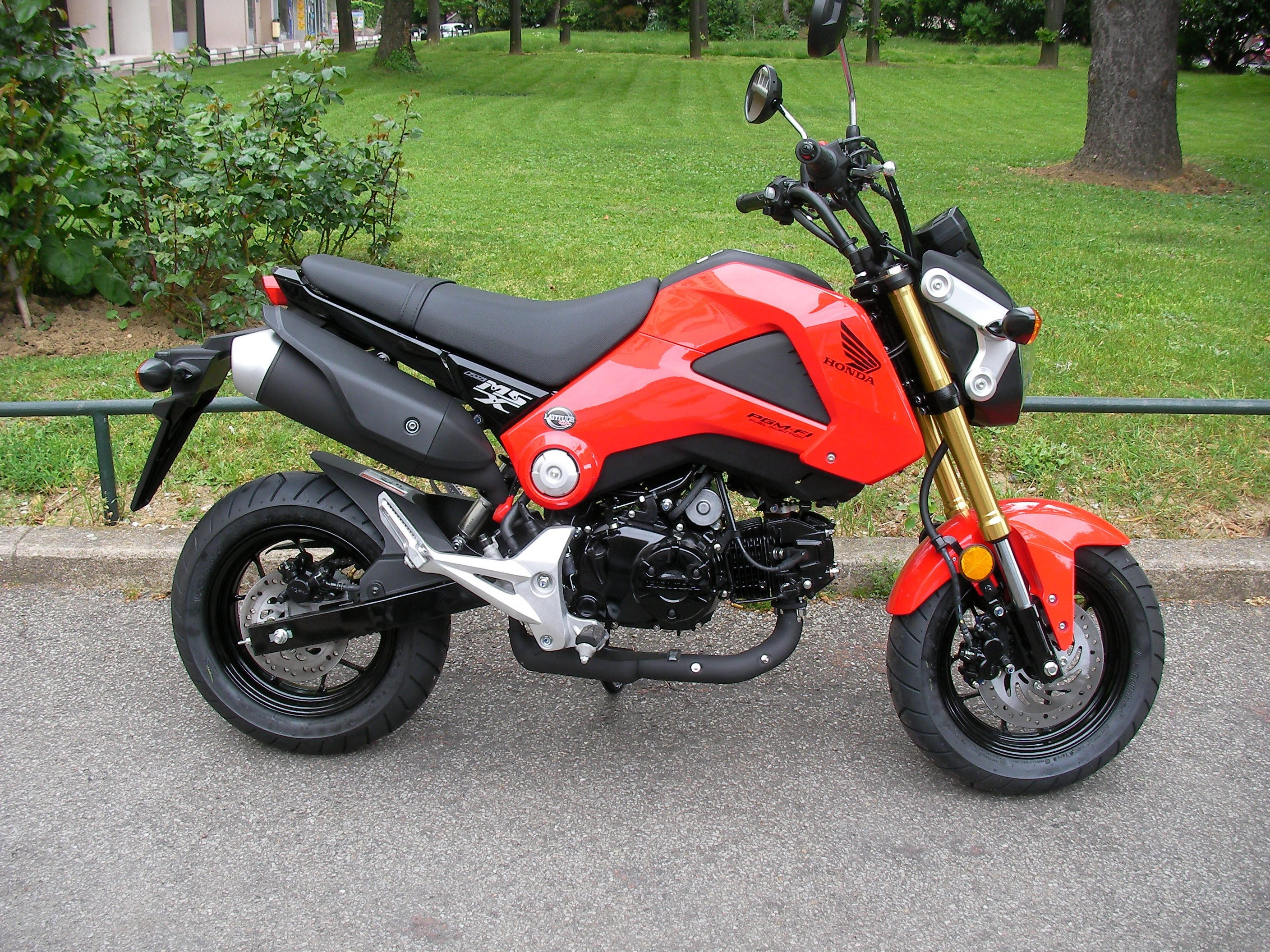 2014 honda msx125 pics specs and information. Black Bedroom Furniture Sets. Home Design Ideas