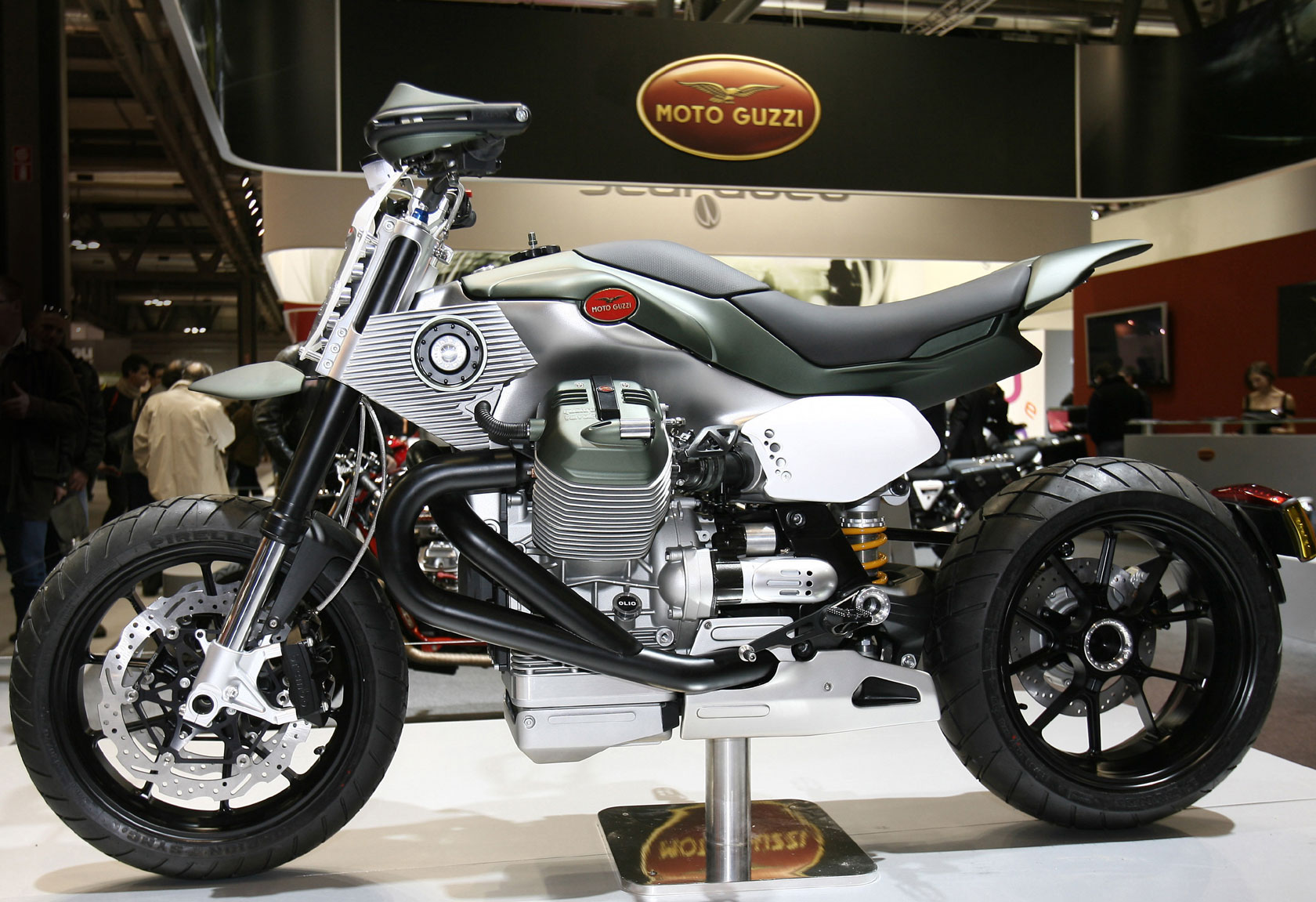 Moto Guzzi V12 LM Concept 2010 wallpapers #139664