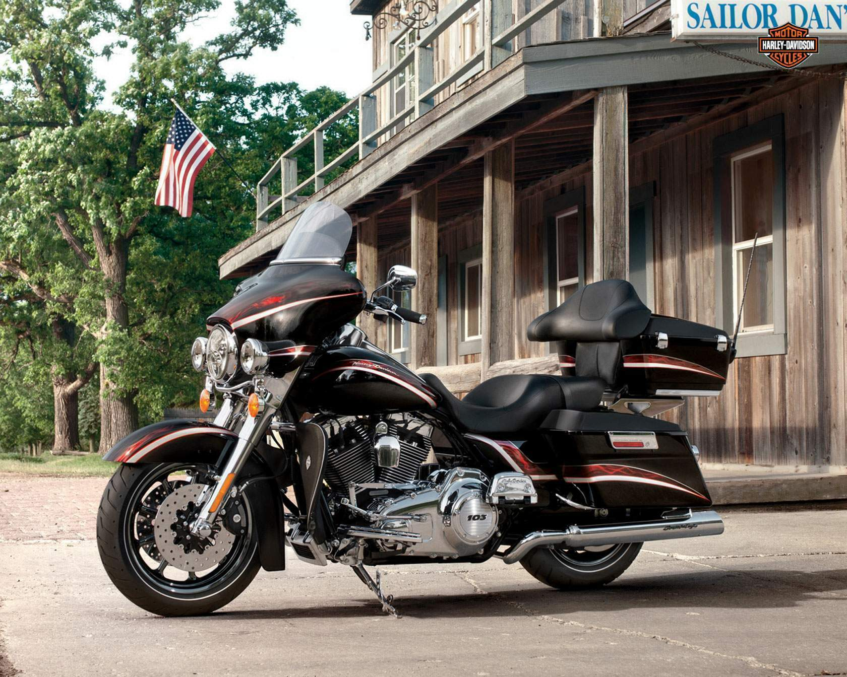 Harley-Davidson FLHTCUSE8 CVO Ultra Classic Electra Glide 110th Anniversary 2013 wallpapers #142040