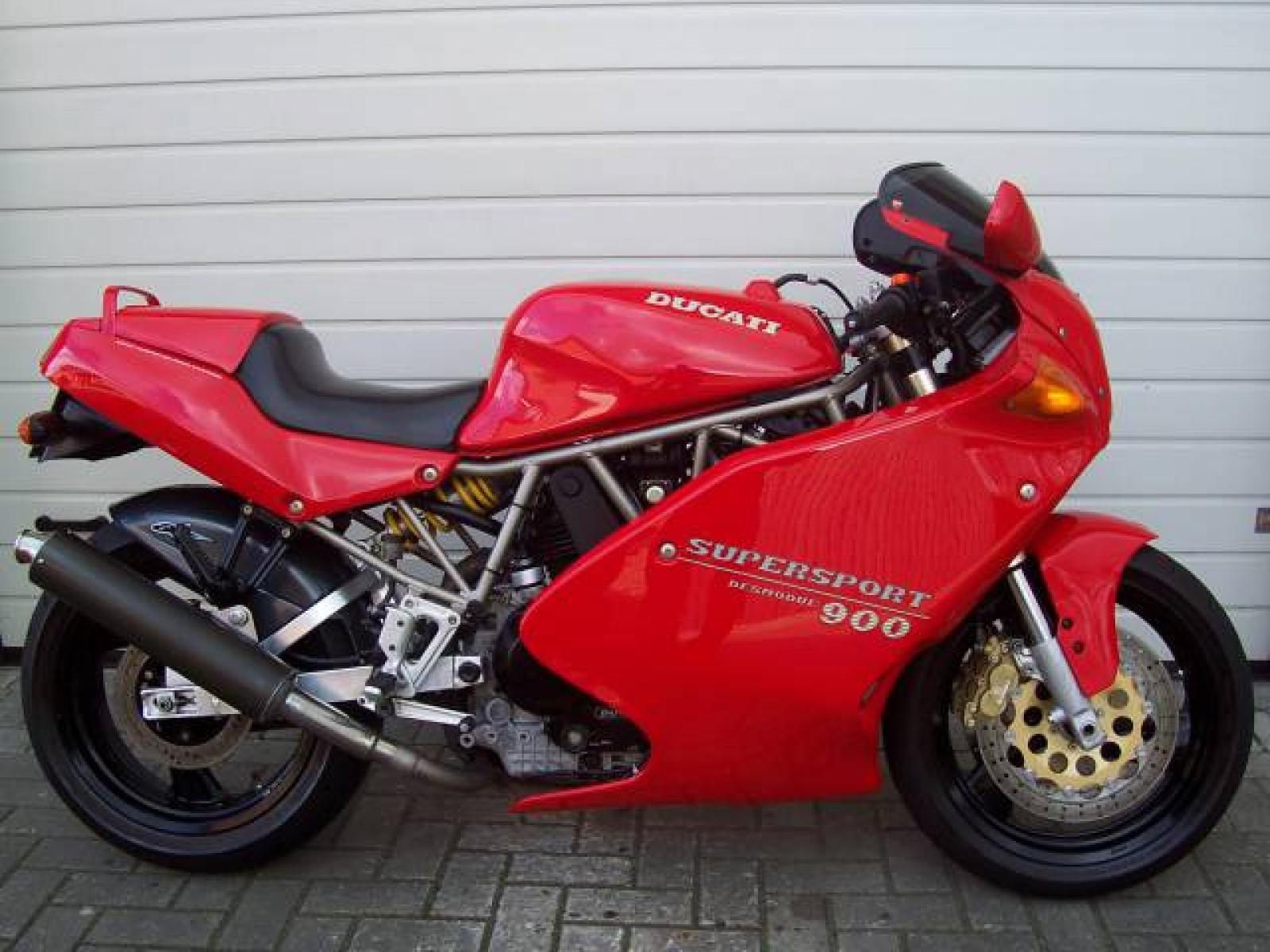 Ducati 900 SS Carenata 2001 wallpapers #11106