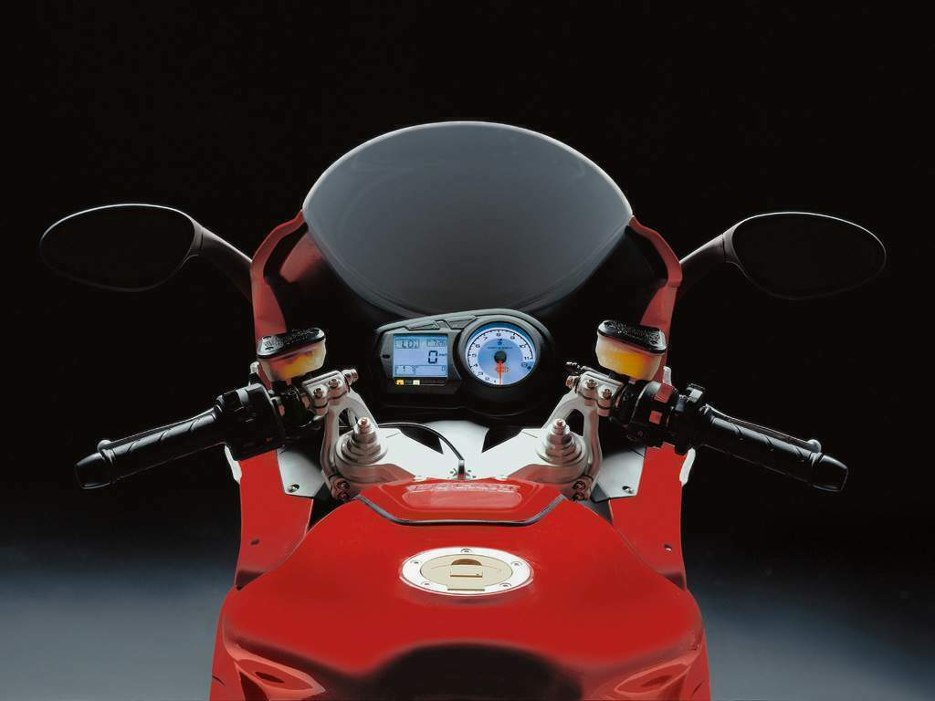 Ducati ST4 S 2005 wallpapers #11604