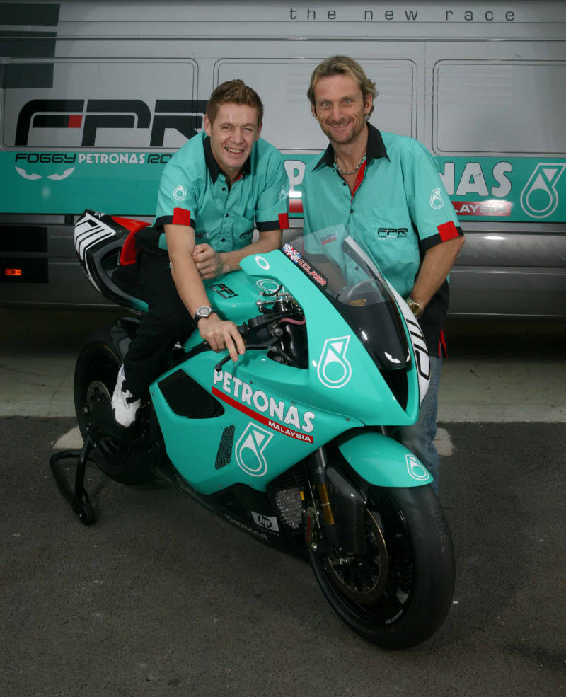 Petronas FP1 2004 images #119092