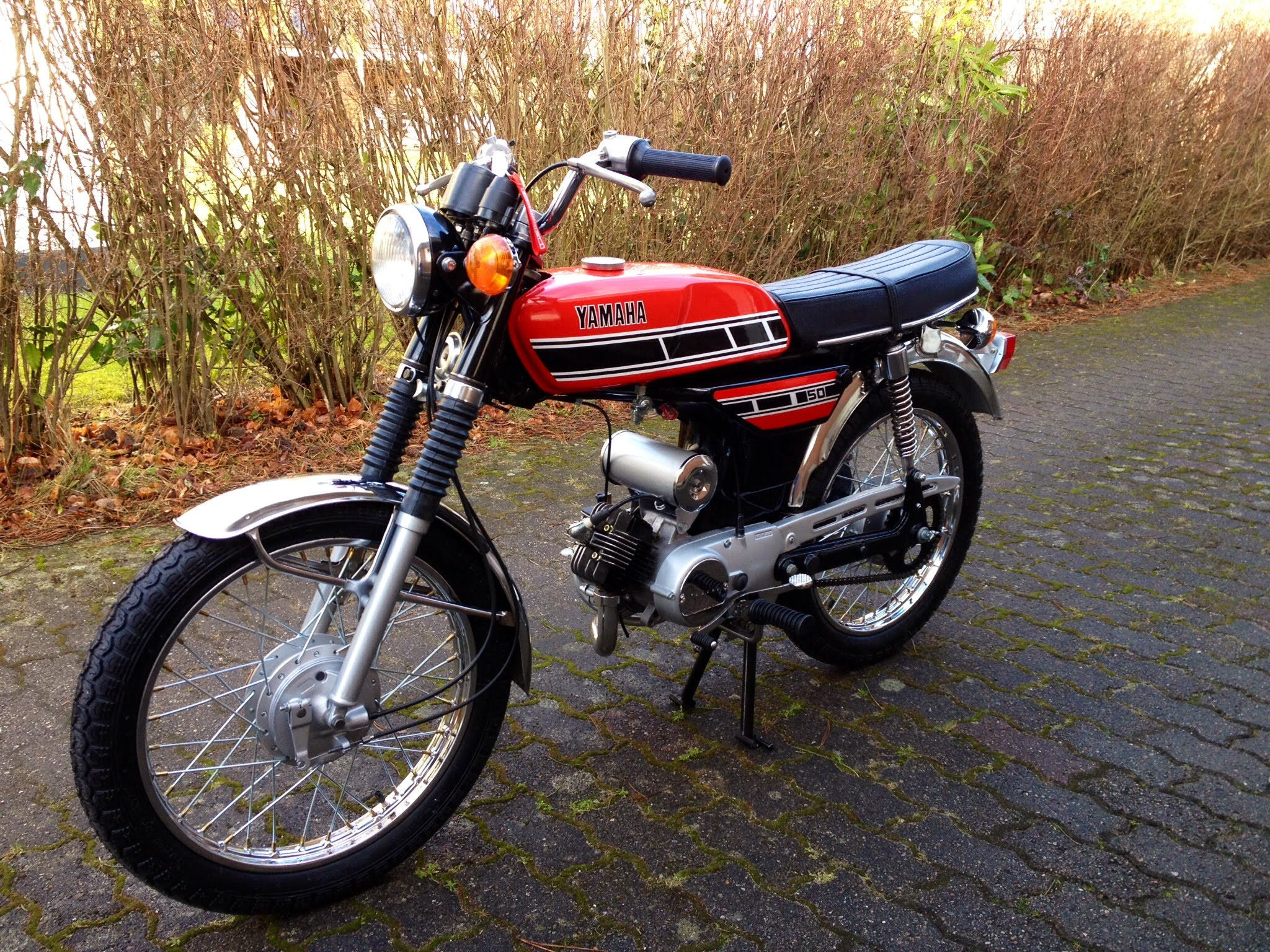 1970 yamaha fs1 pics specs and information. Black Bedroom Furniture Sets. Home Design Ideas