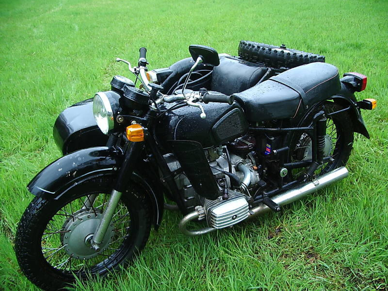 Dnepr MT 10 with sidecar 1981 images #70409