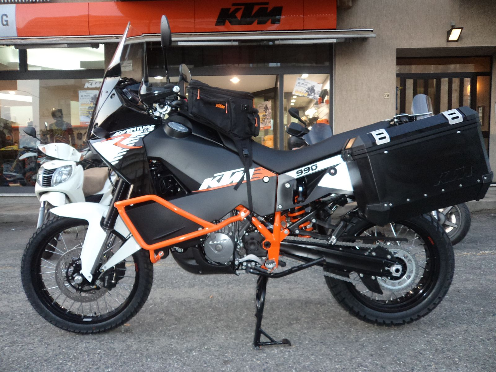 KTM 990 Adventure ABS 2010 pics #37416