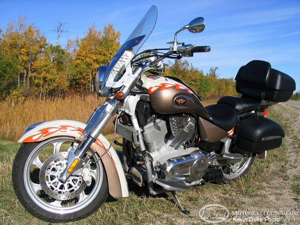 Victory Cruiser Deluxe 1500 2001 wallpapers #130346
