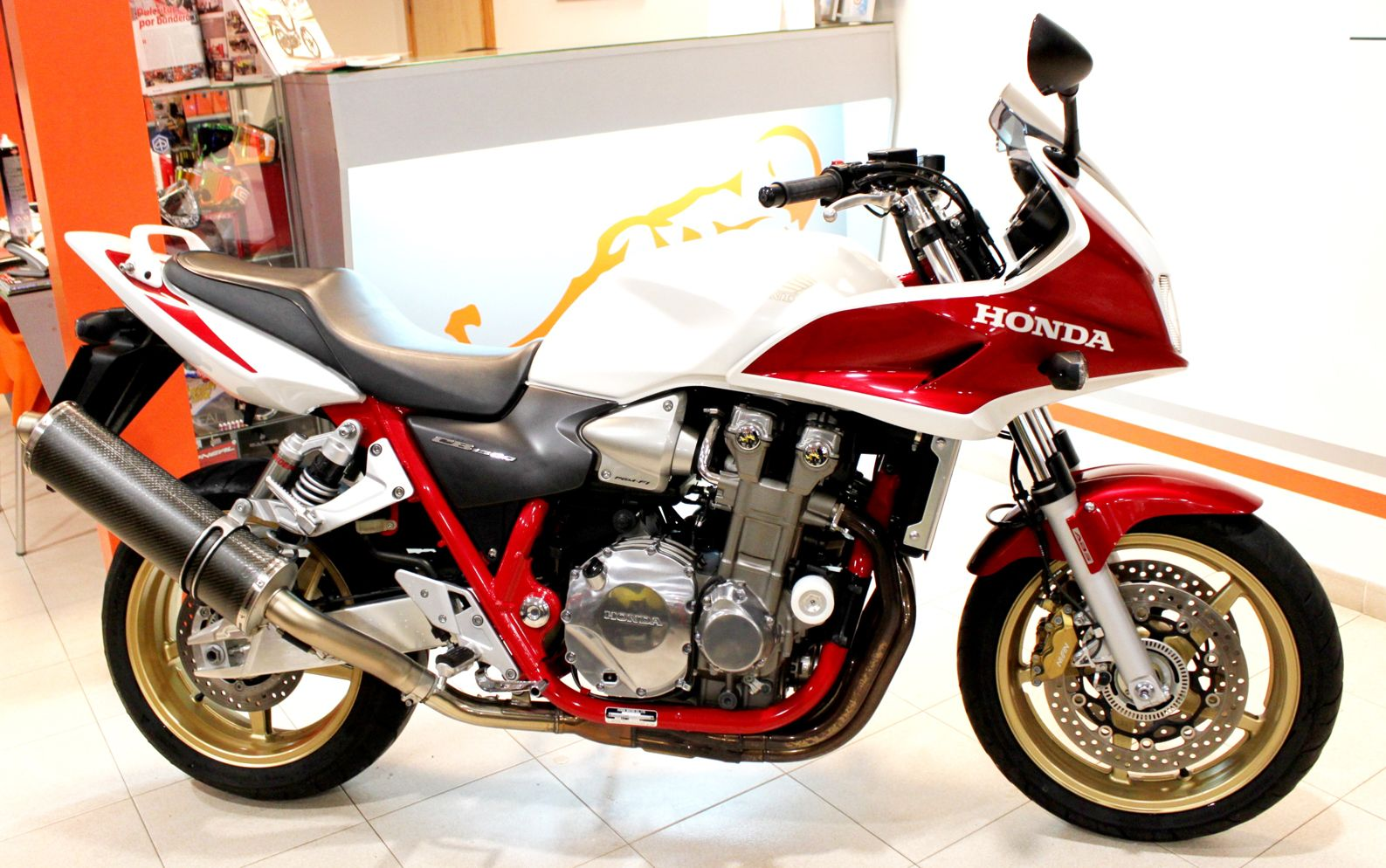 honda cb 1300 s pics specs and list of seriess by year. Black Bedroom Furniture Sets. Home Design Ideas