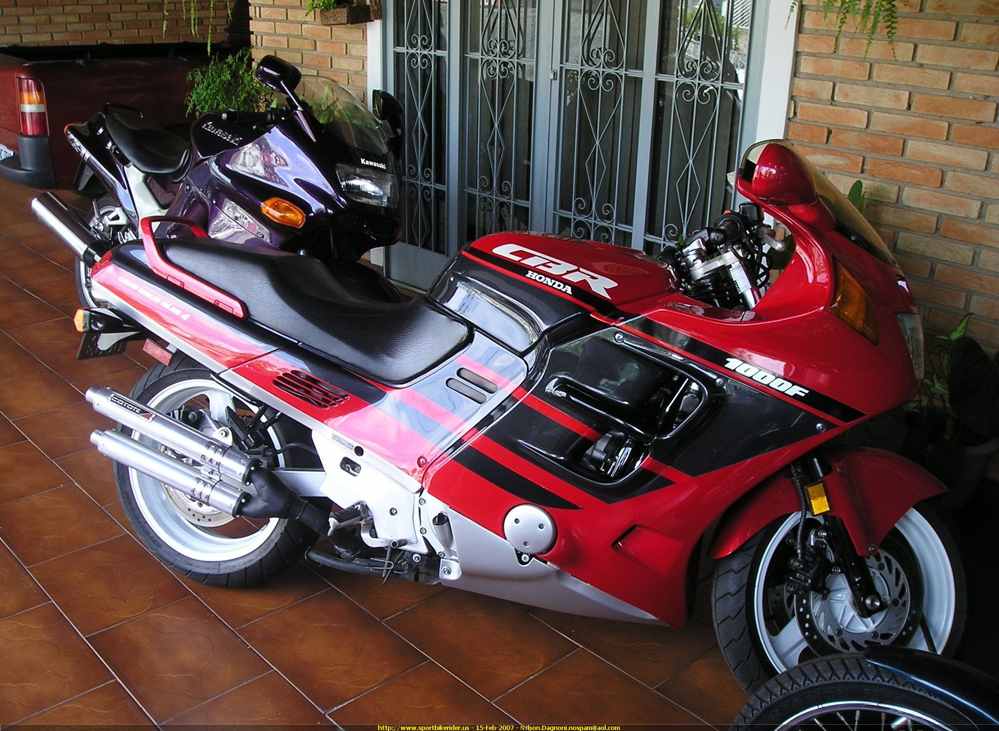 2000 honda cbr 1000 f pics specs and information. Black Bedroom Furniture Sets. Home Design Ideas