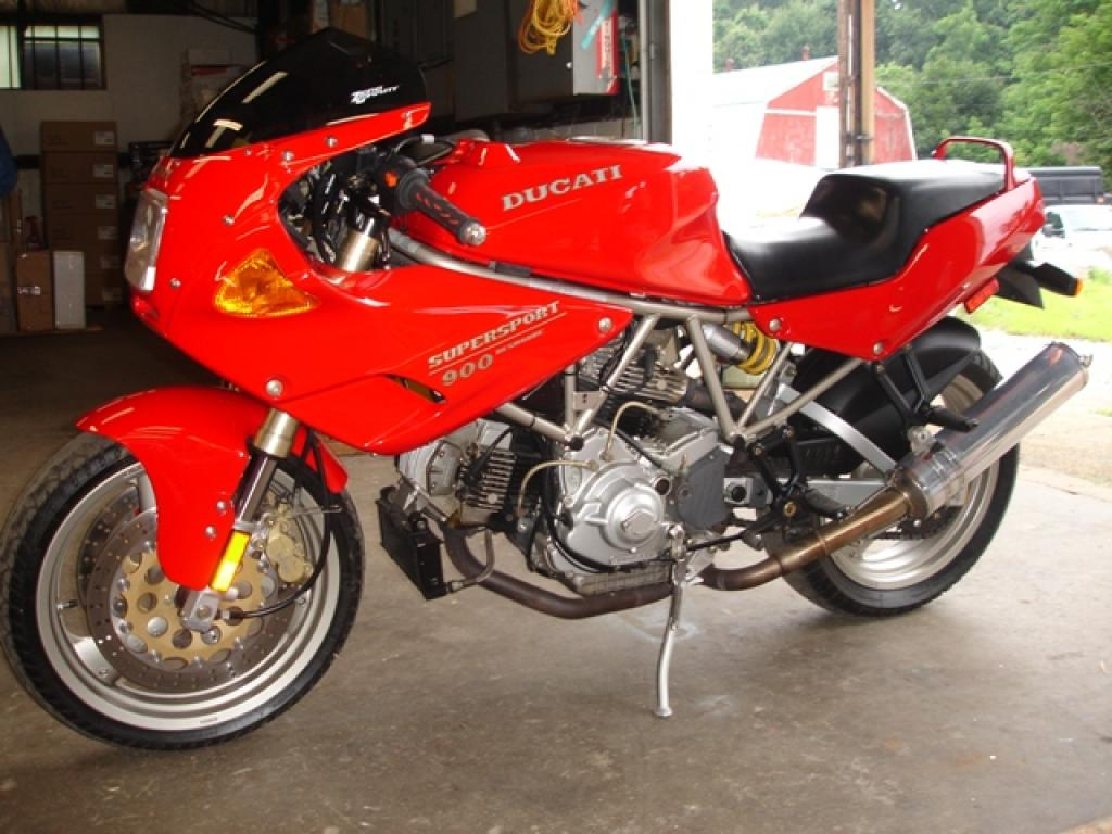 Ducati 900 SS Carenata 2001 wallpapers #11110