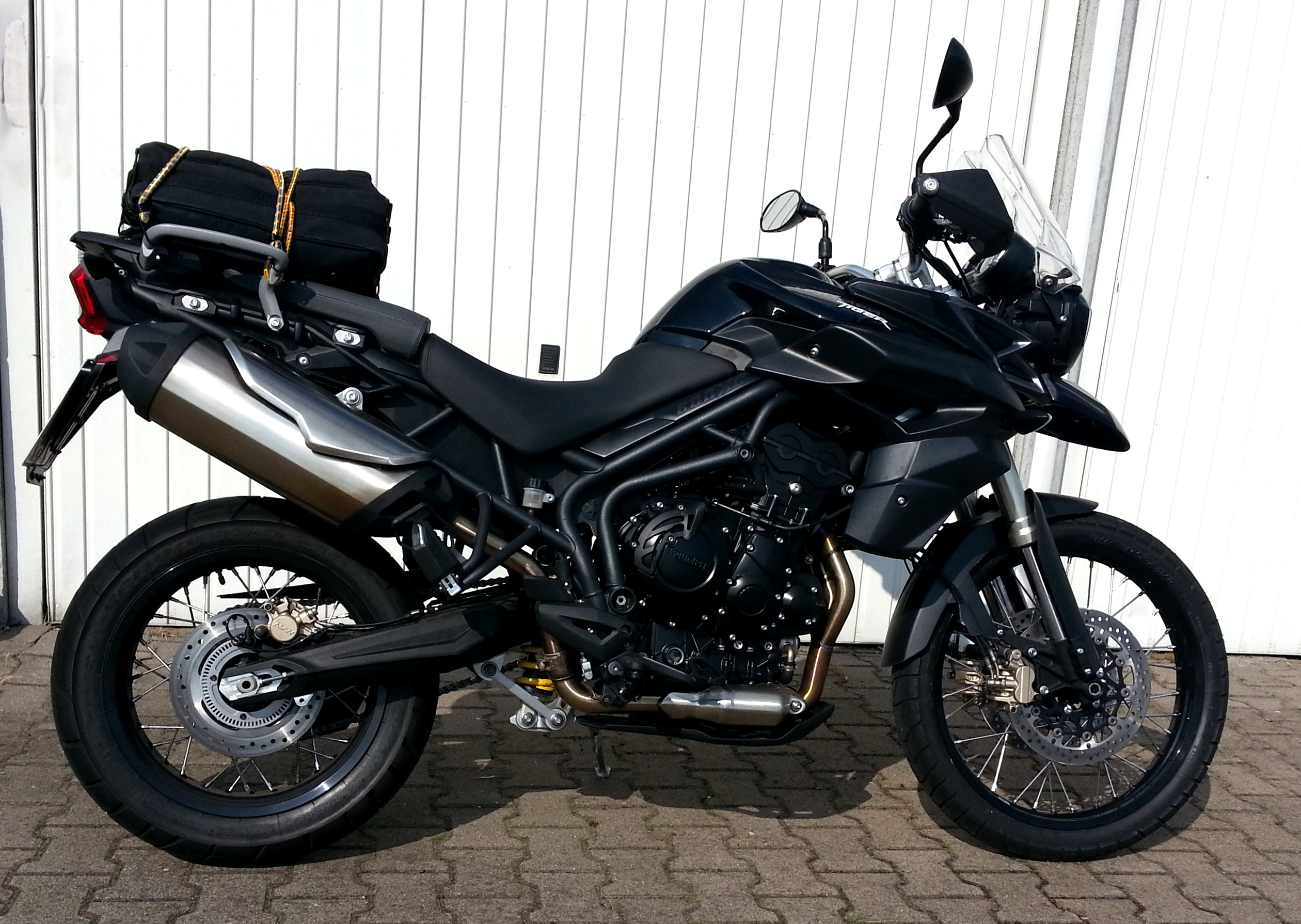 First Look: 2018 Triumph Tiger 800 XC and XR
