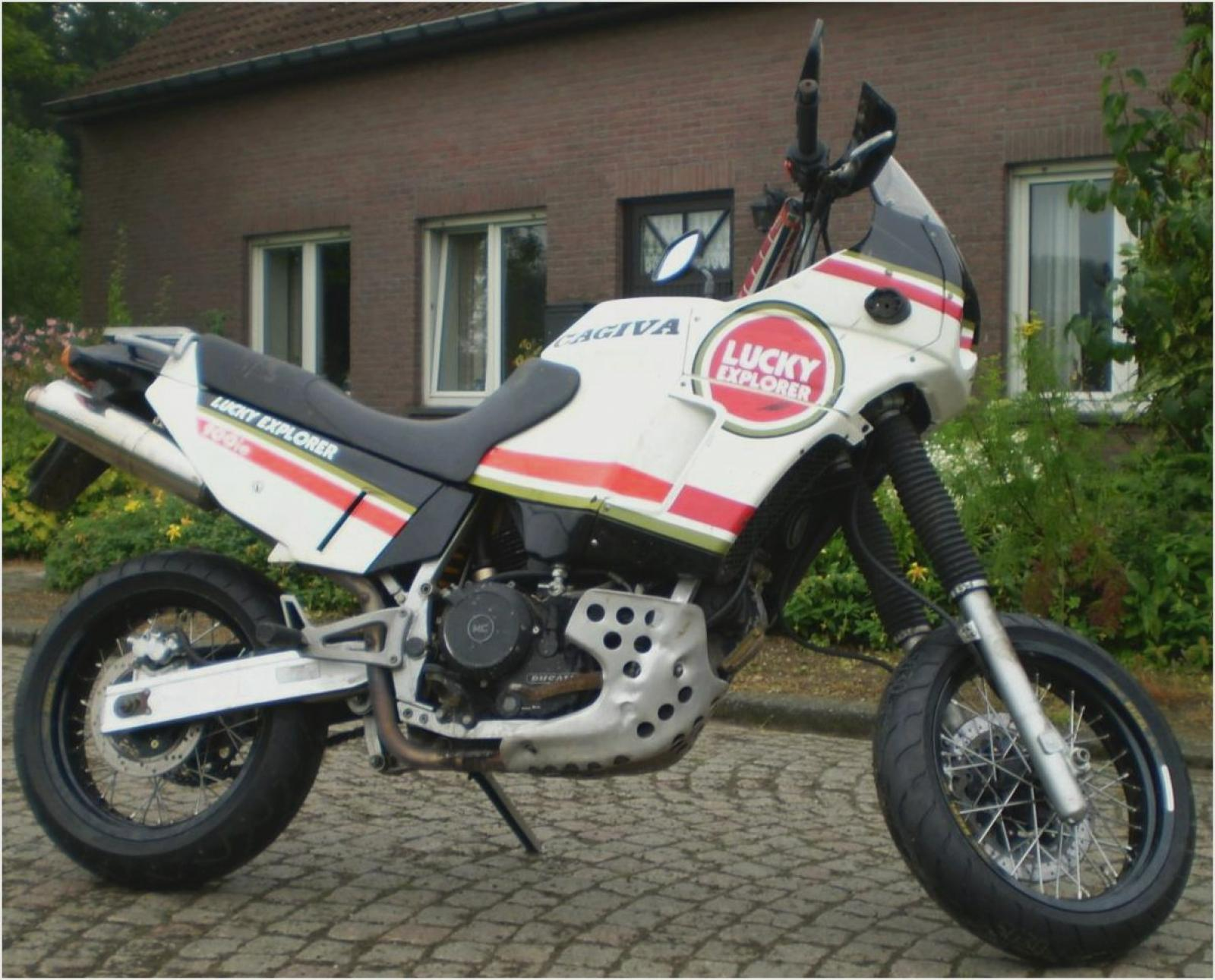 Cagiva Elefant 900 IE 1990 images #68835