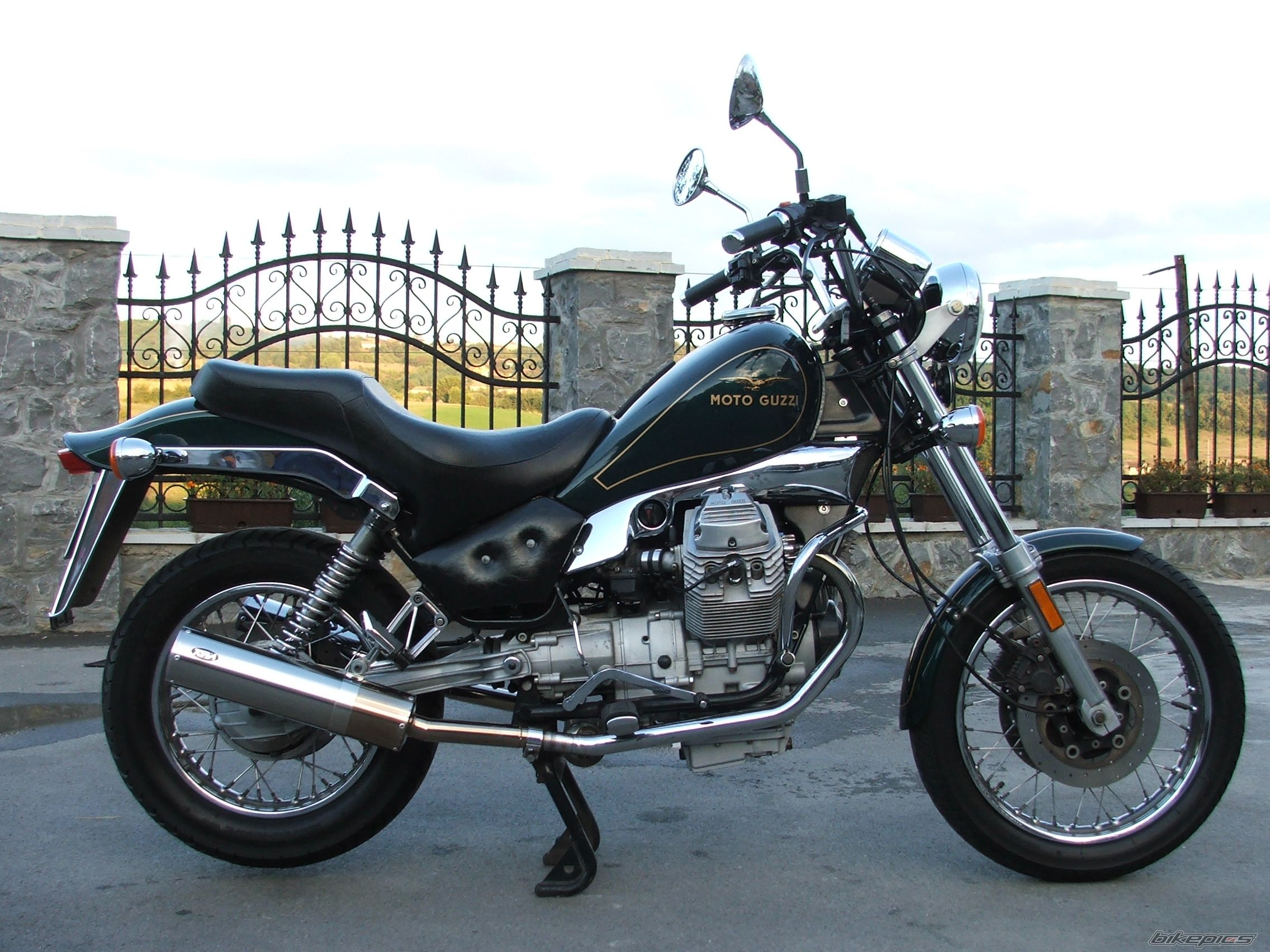 1998 moto guzzi nevada 750 pics specs and information. Black Bedroom Furniture Sets. Home Design Ideas