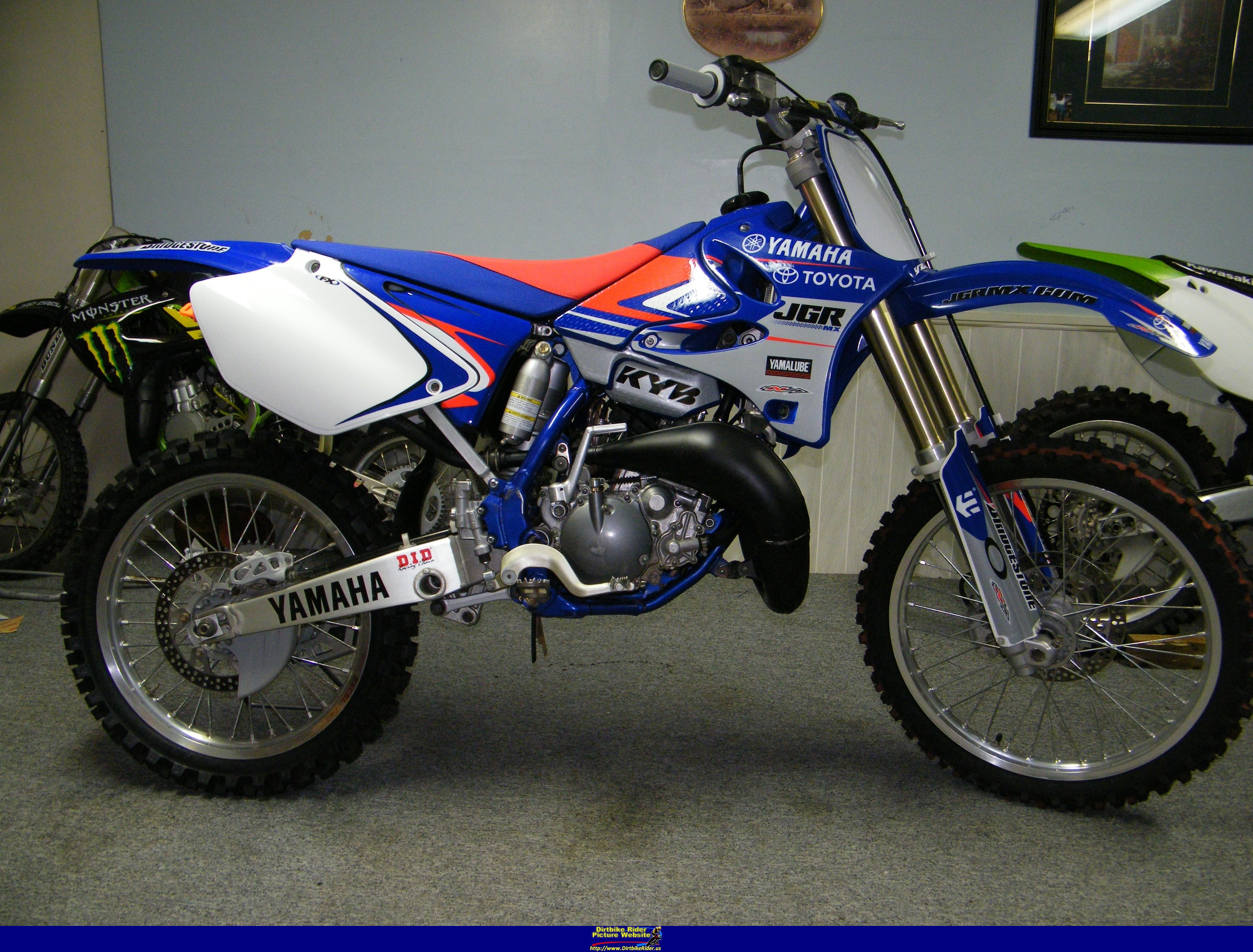 2004 yamaha yz 125 pics specs and information for Yz yamaha 125