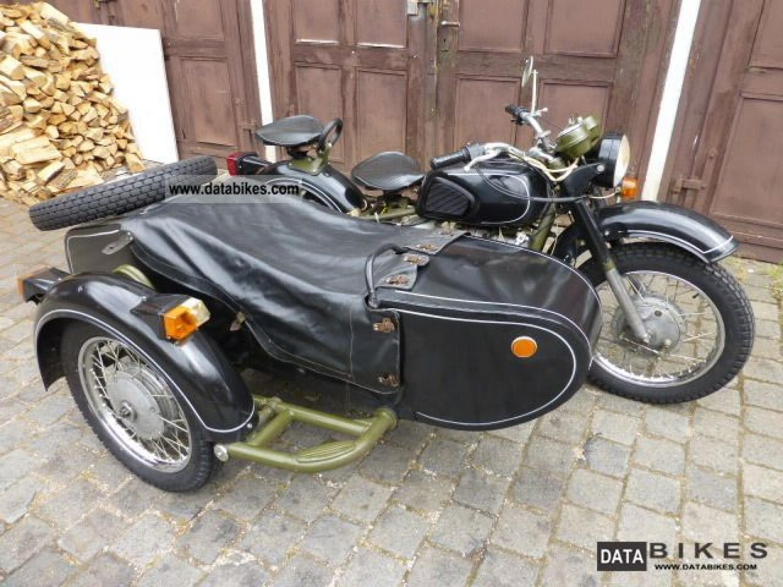 Dnepr MT 10 with sidecar 1977 images #71403