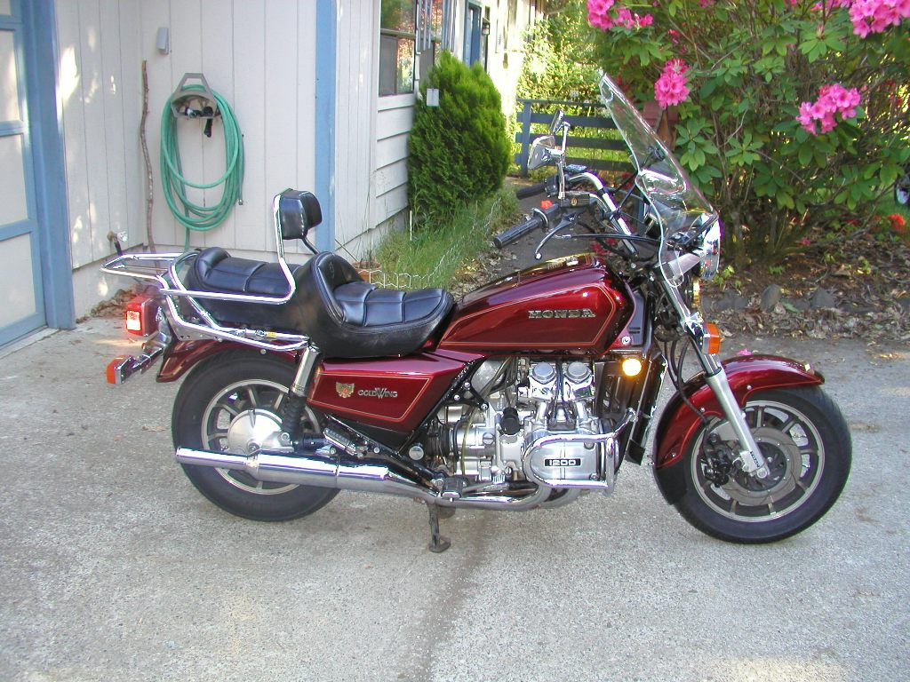 honda gl 1200 gold wing pics specs and list of seriess. Black Bedroom Furniture Sets. Home Design Ideas