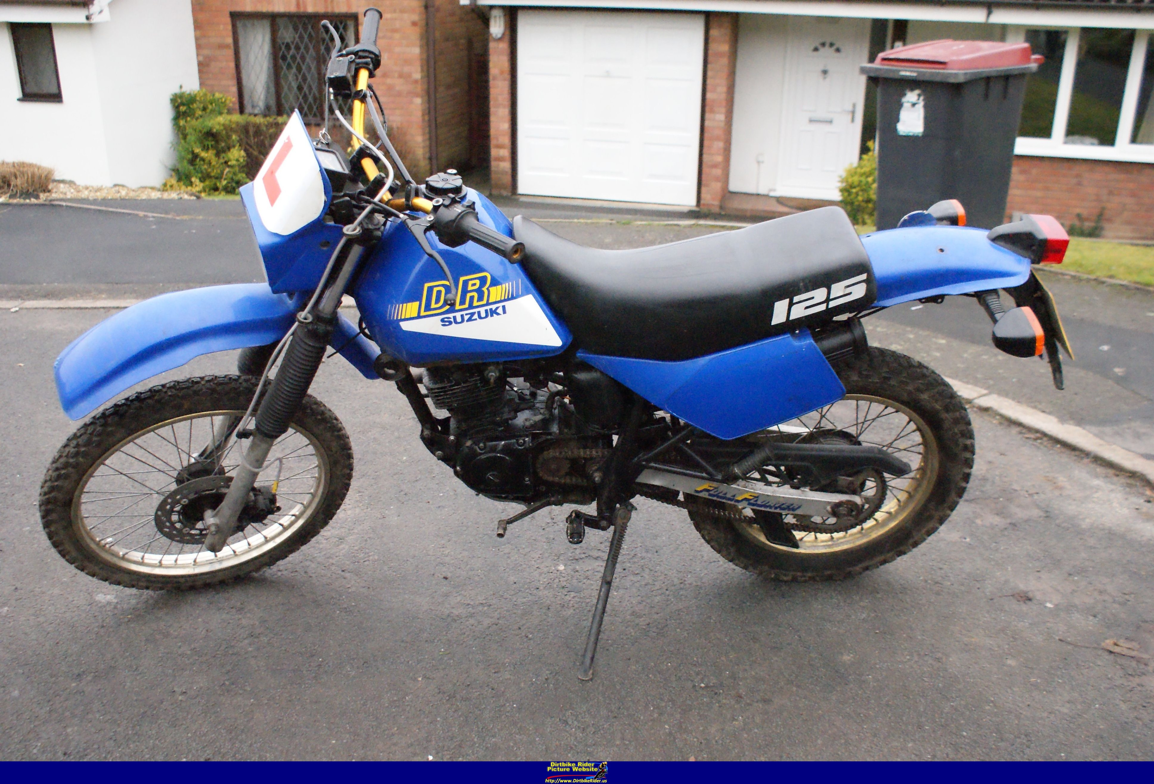 1991 suzuki dr 125 pics specs and information. Black Bedroom Furniture Sets. Home Design Ideas
