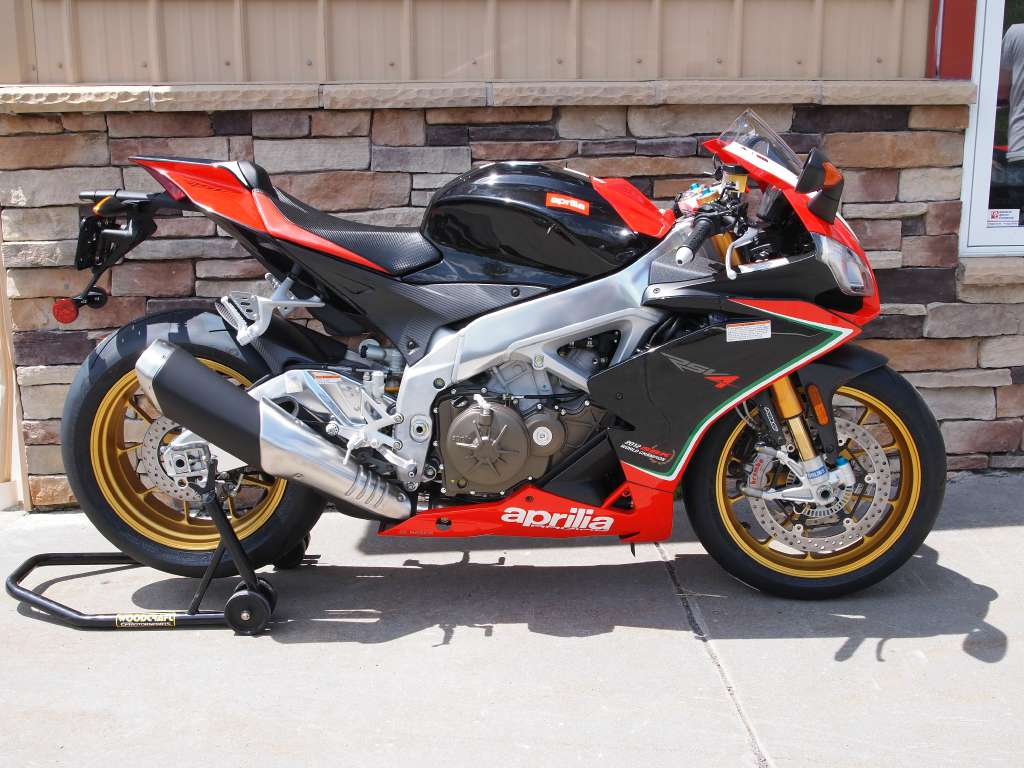 aprilia rsv4 factory aprc pics specs and list of seriess by year. Black Bedroom Furniture Sets. Home Design Ideas