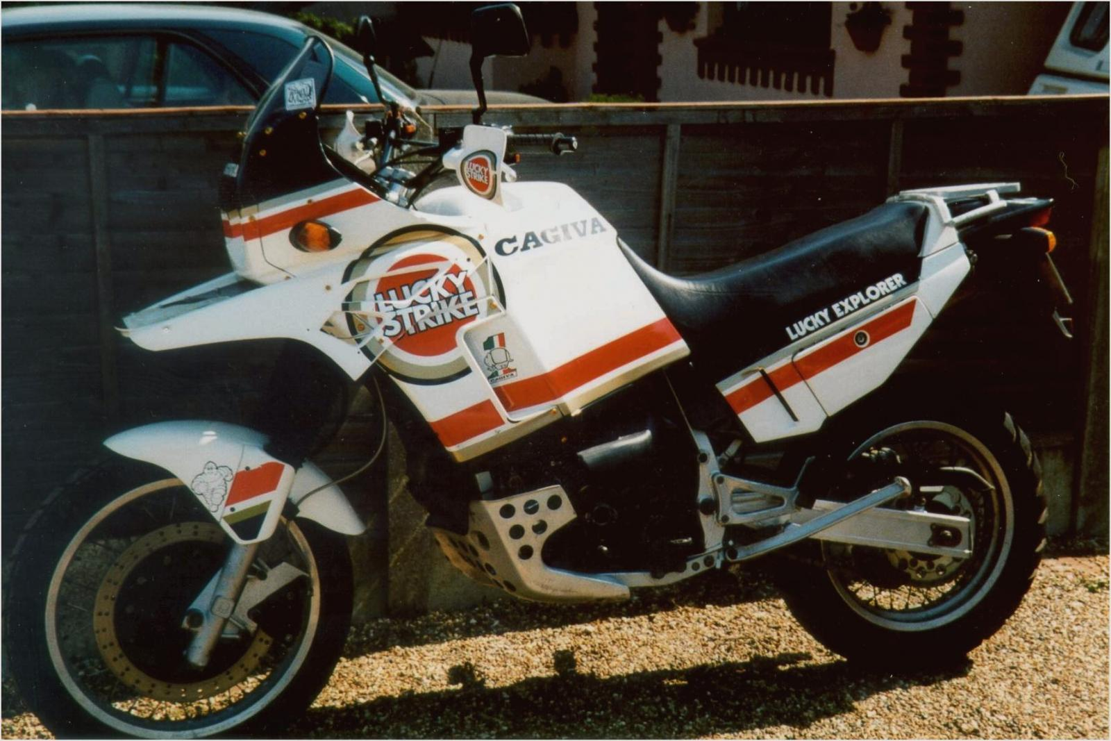 Cagiva Elefant 900 IE 1990 images #68840