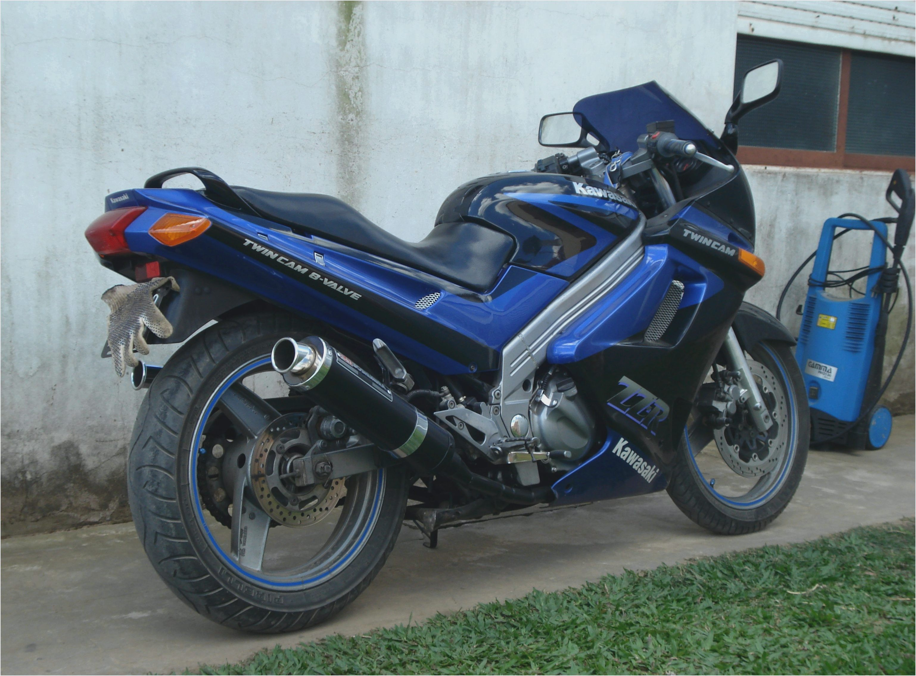 Motorcycle Kawasaki ZZR 250: photos, review, specifications, owner reviews 58