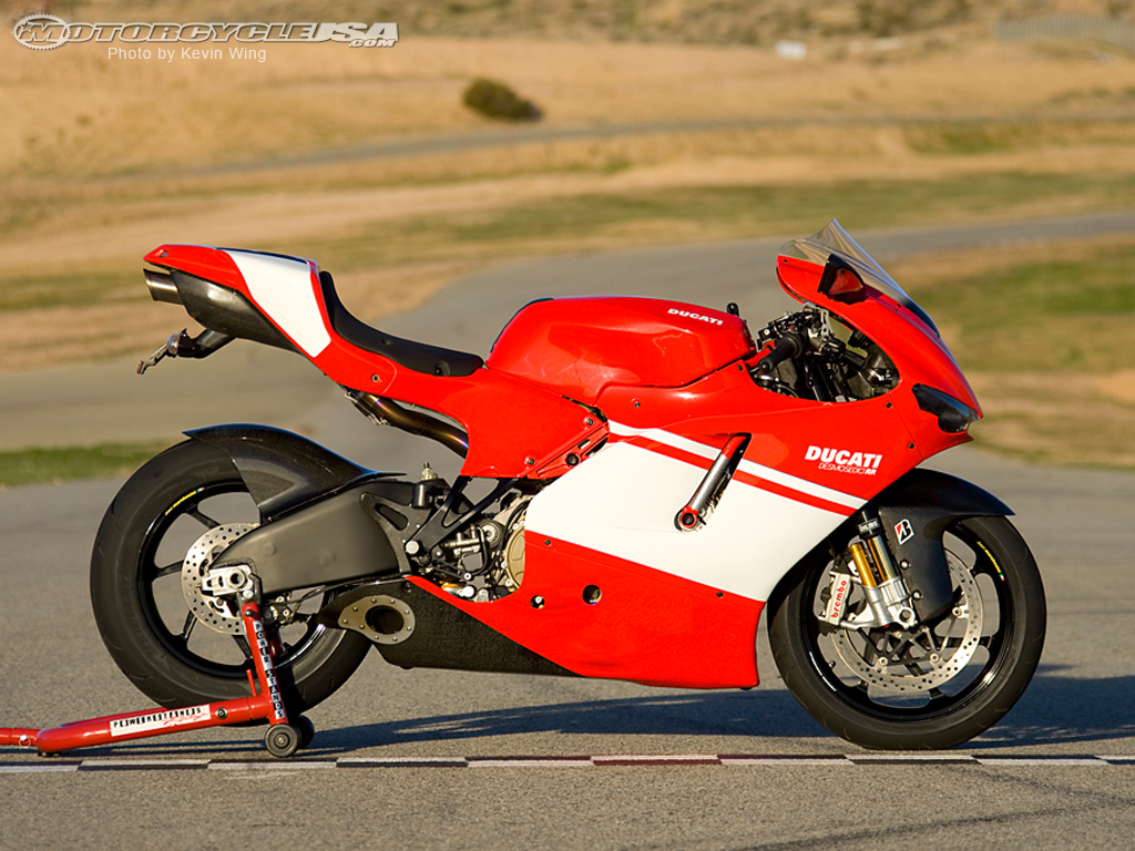 Ducati Desmosedici RR wallpapers #12014