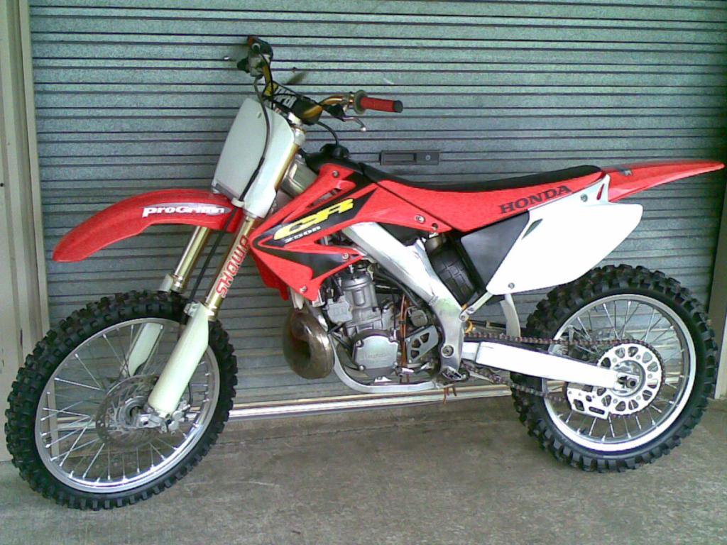 2003 honda cr 250 r pics specs and information. Black Bedroom Furniture Sets. Home Design Ideas