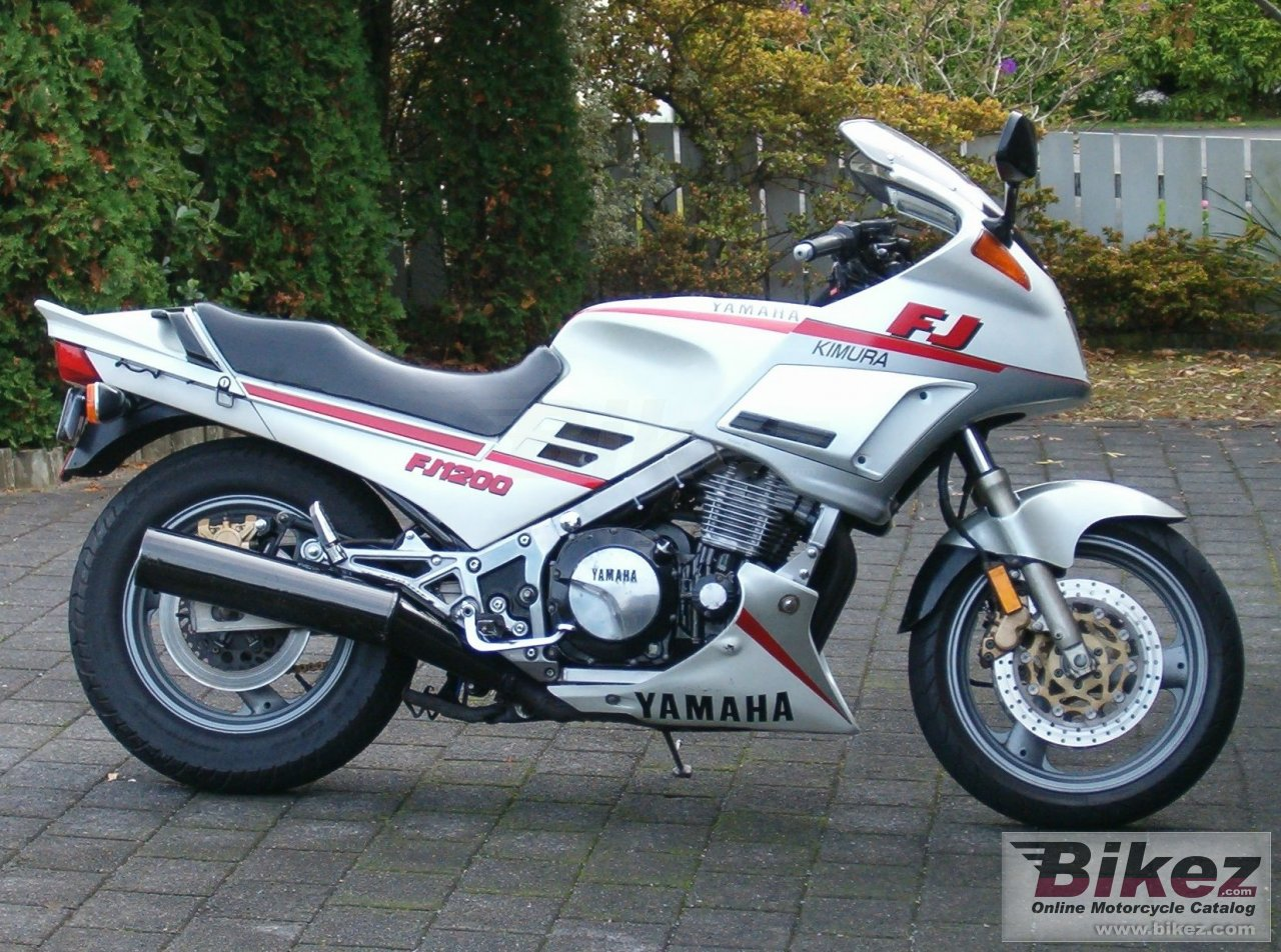 Review of Yamaha FJ 1200 (reduced effect) 1992: pictures