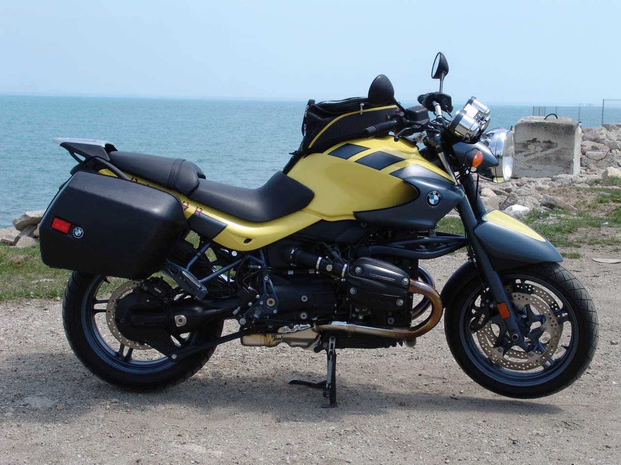 2002 Bmw R1150r Rockster Pics Specs And Information