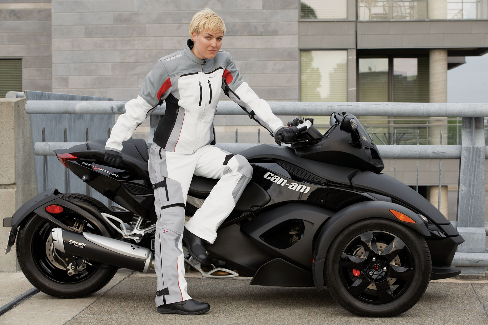 Can-Am Spyder RS-S 2011 images #94401