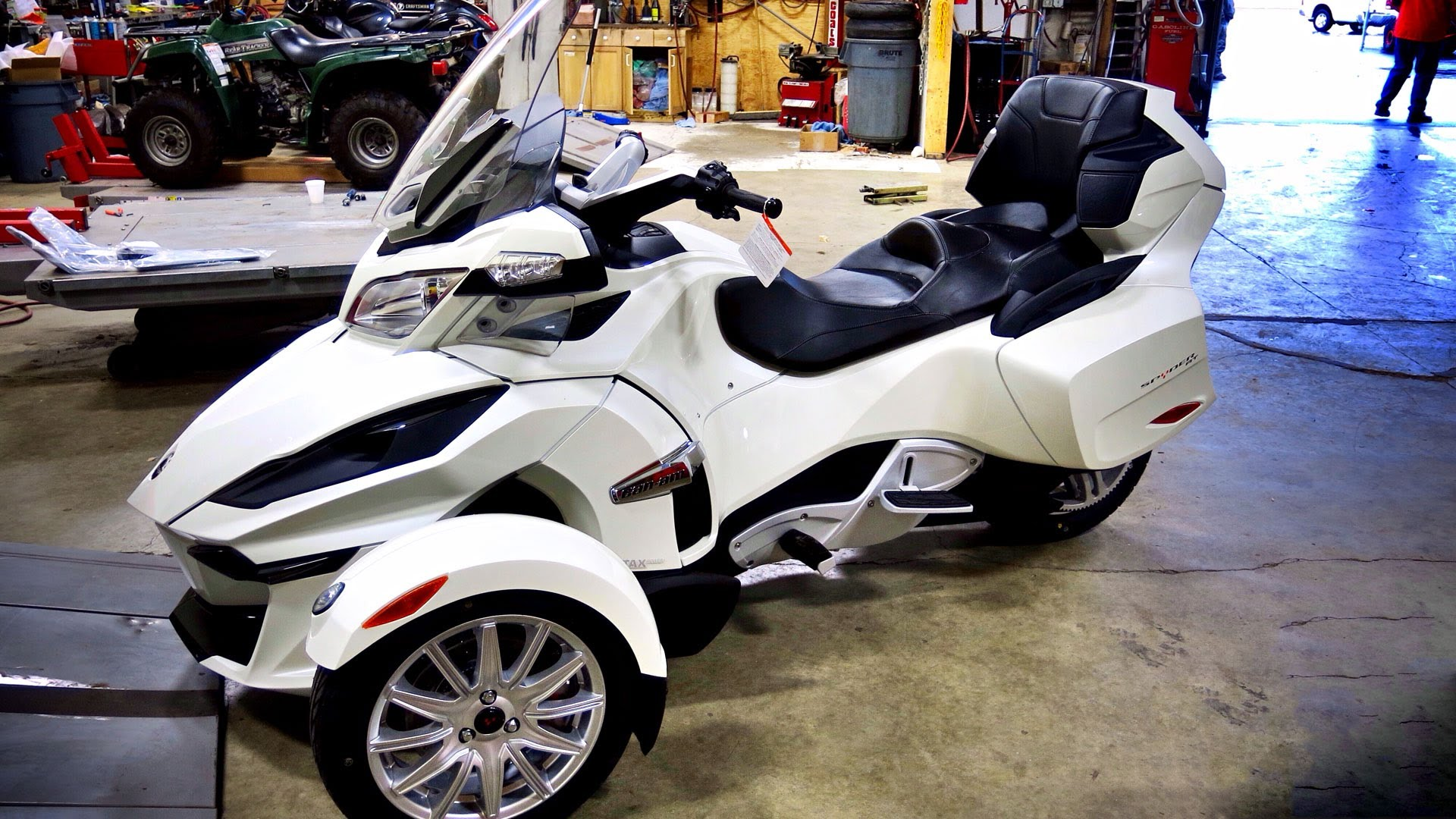 Can-Am Spyder ST 2014 images #68542