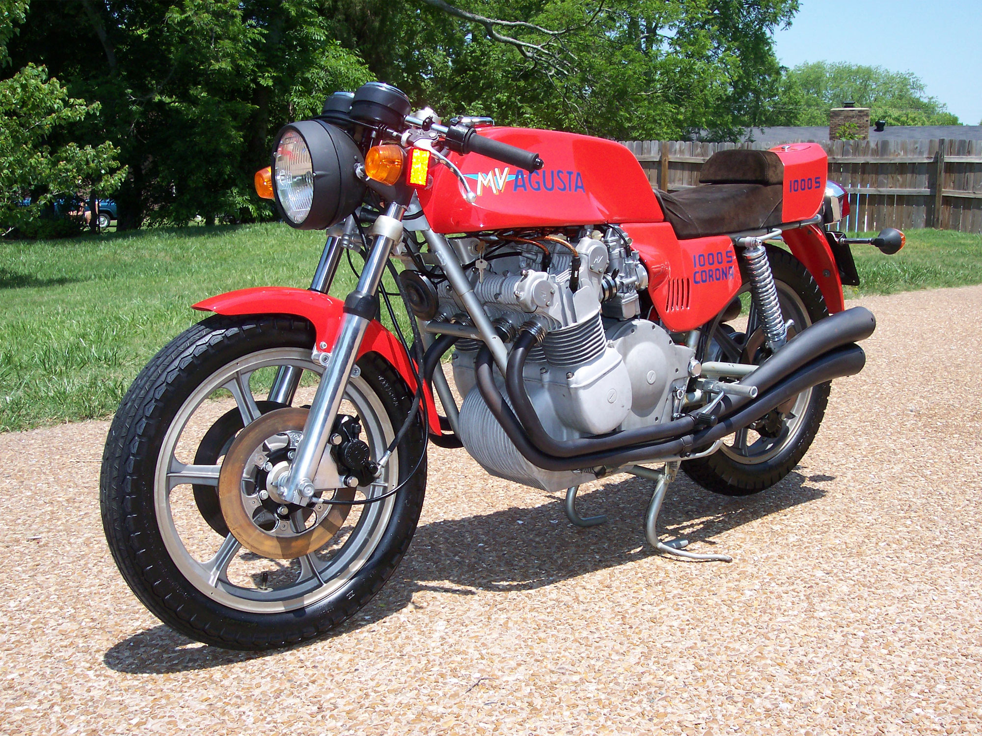 1980 mv agusta 1100 grand prix pics specs and information. Black Bedroom Furniture Sets. Home Design Ideas