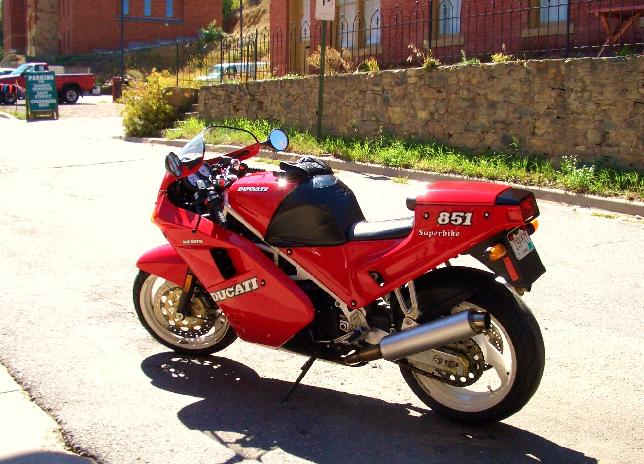 Ducati 851 Strada 1990 wallpapers #10625