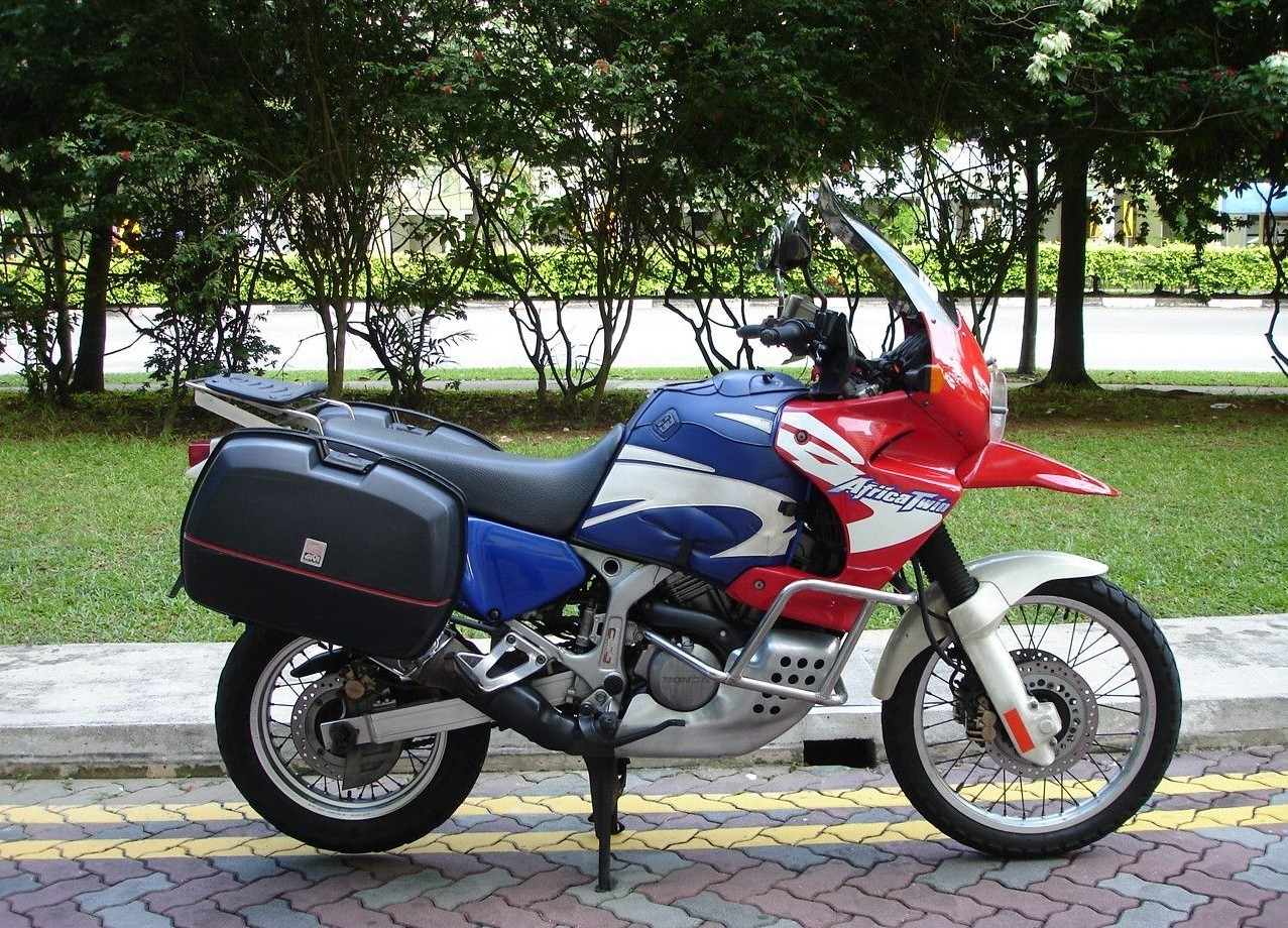 2002 honda xrv 750 pics specs and information. Black Bedroom Furniture Sets. Home Design Ideas