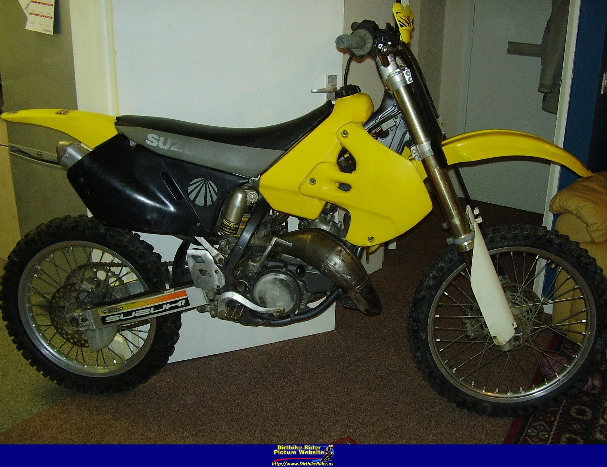 2000 suzuki an 125 pics specs and information. Black Bedroom Furniture Sets. Home Design Ideas