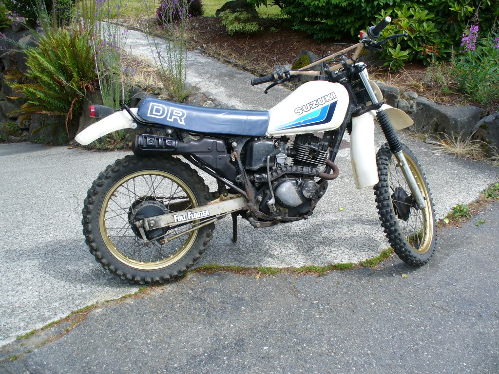 1983 suzuki dr 125 s pics specs and information. Black Bedroom Furniture Sets. Home Design Ideas