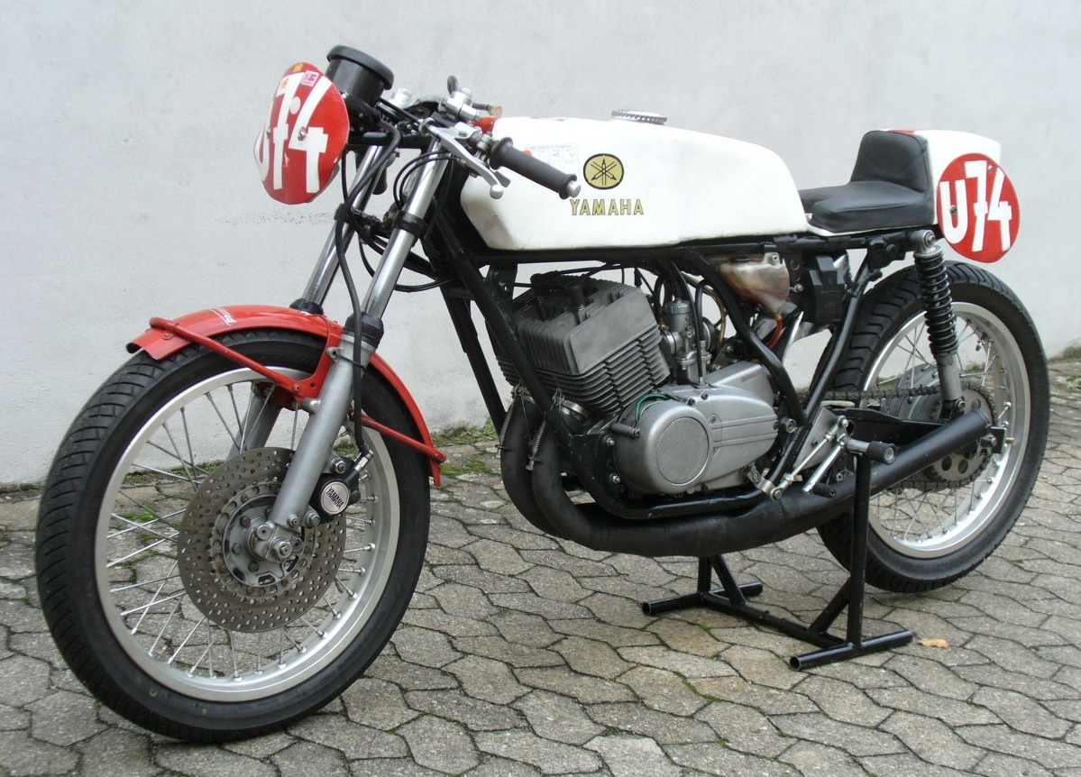 1980 yamaha rd 250 pics specs and information. Black Bedroom Furniture Sets. Home Design Ideas
