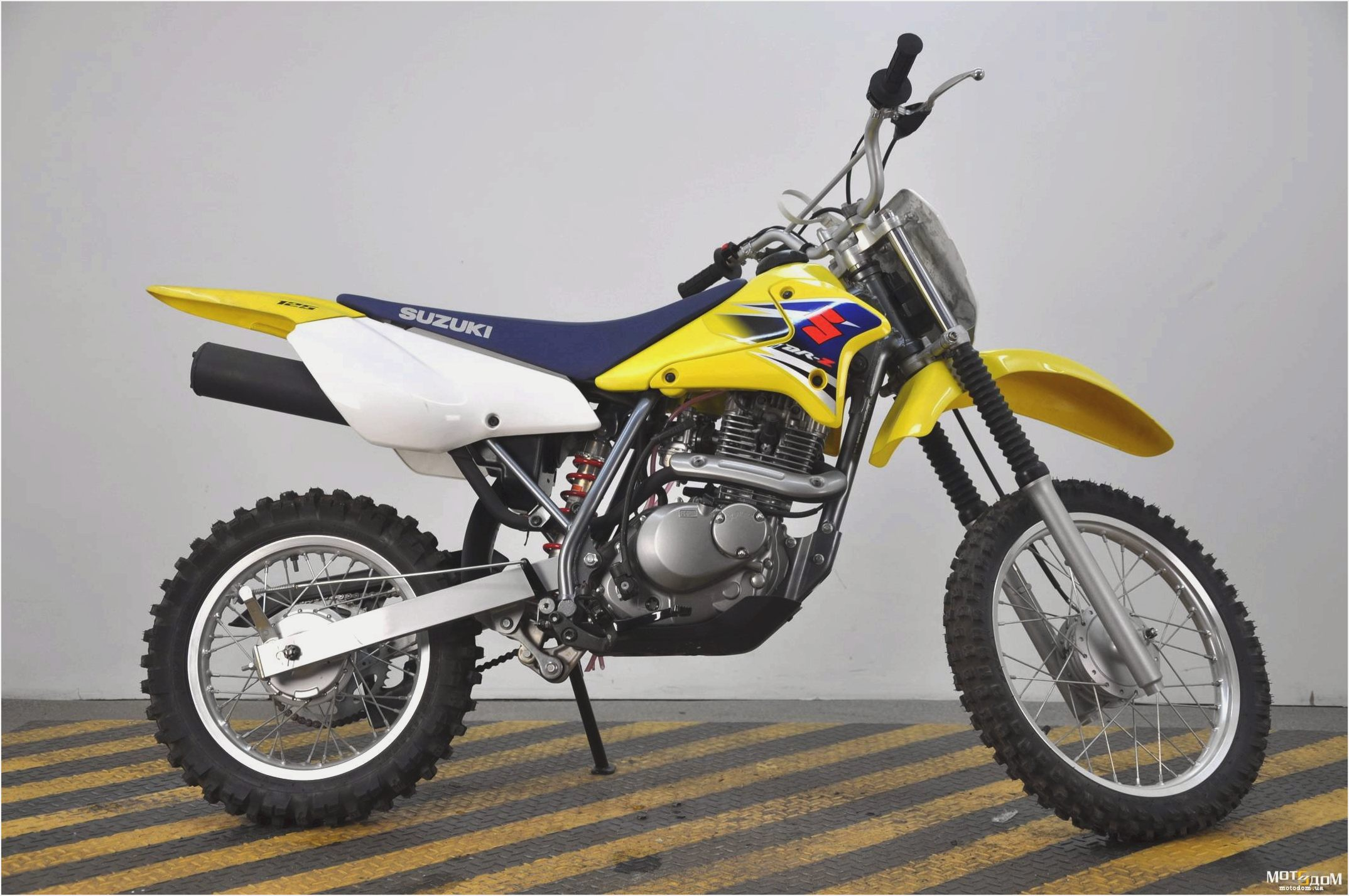 2005 suzuki dr z 125 l pics specs and information. Black Bedroom Furniture Sets. Home Design Ideas
