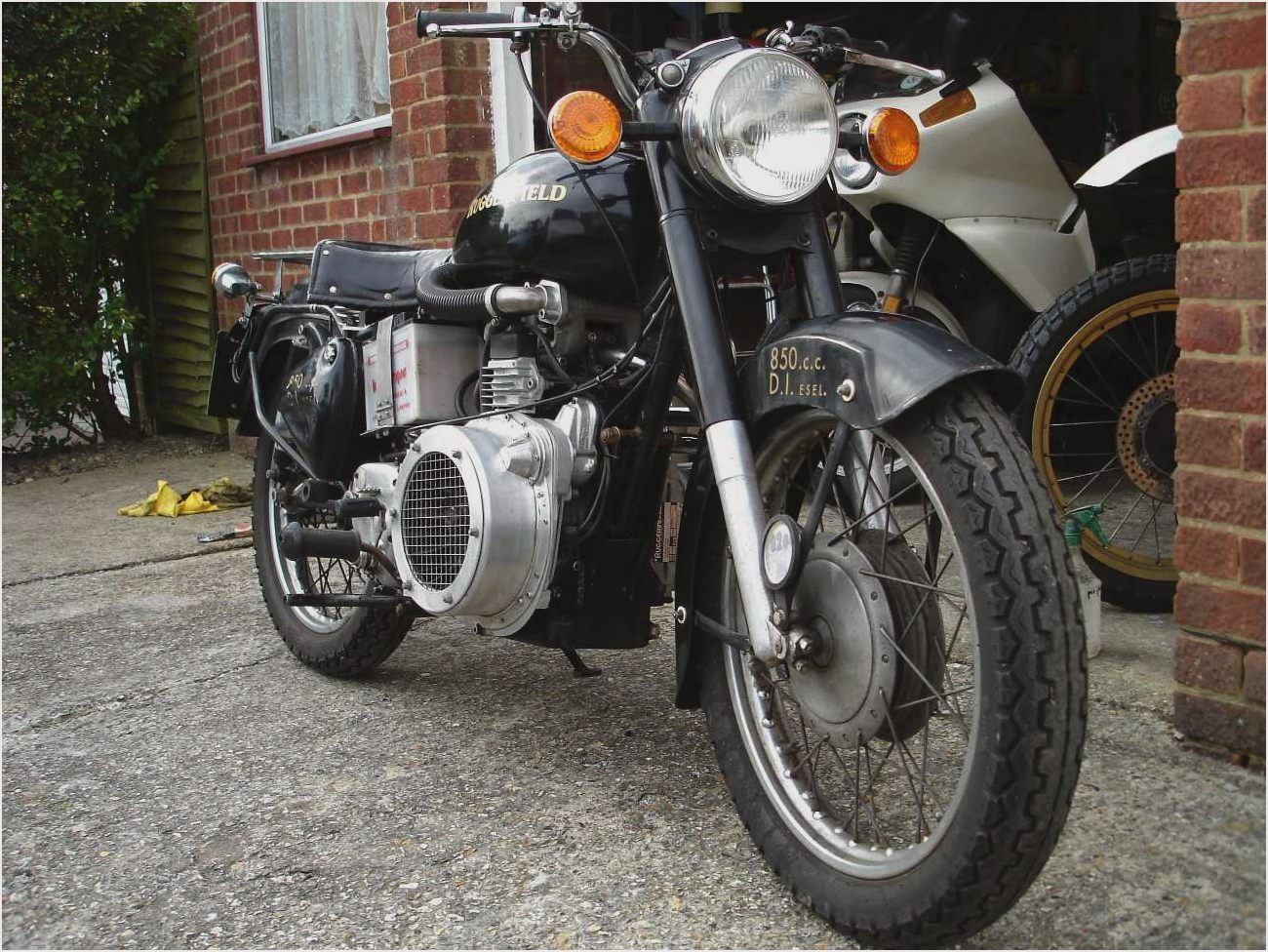Royal Enfield Diesel Taurus 2000 images #123148
